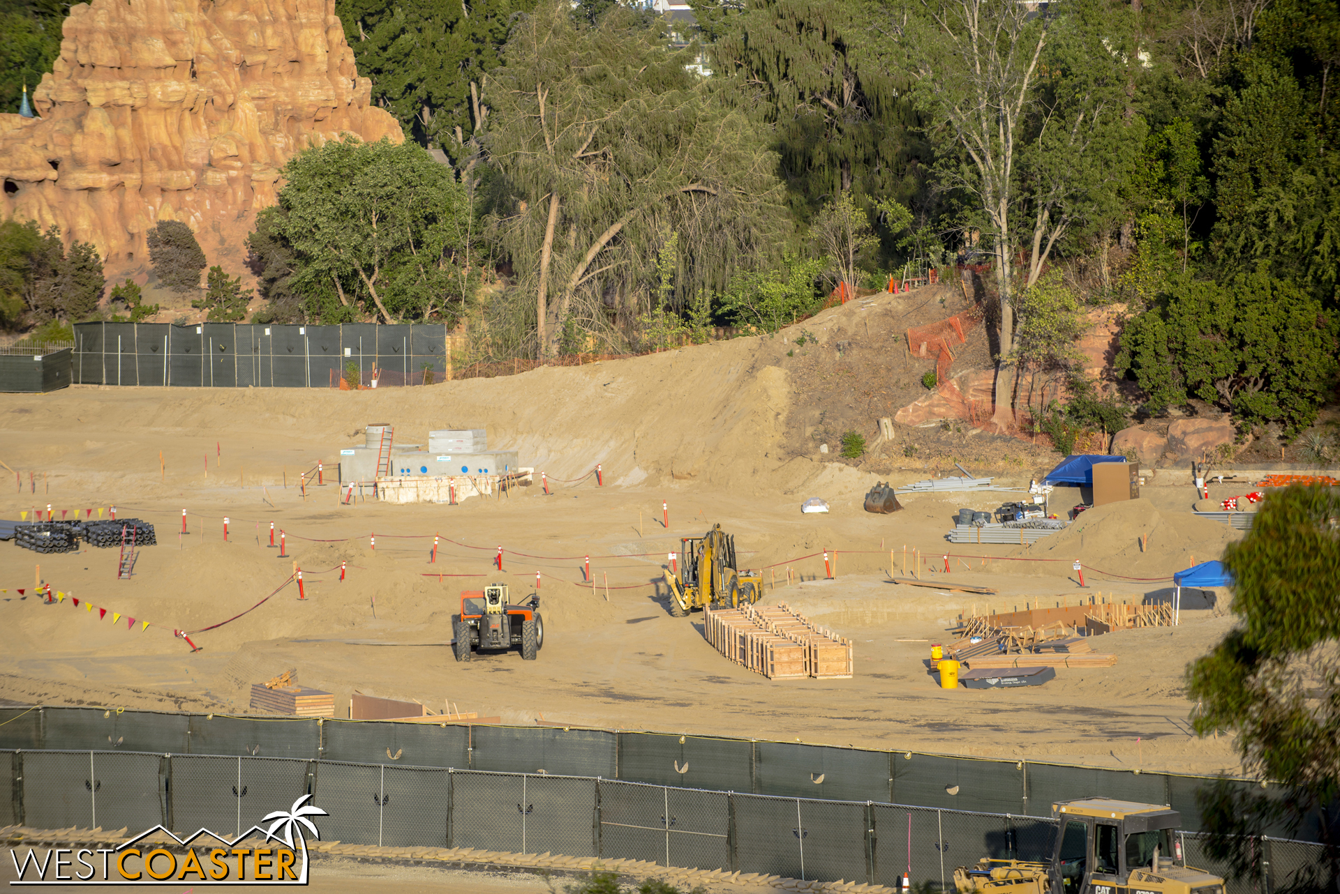 Looks like the beginnings of formwork are popping up.