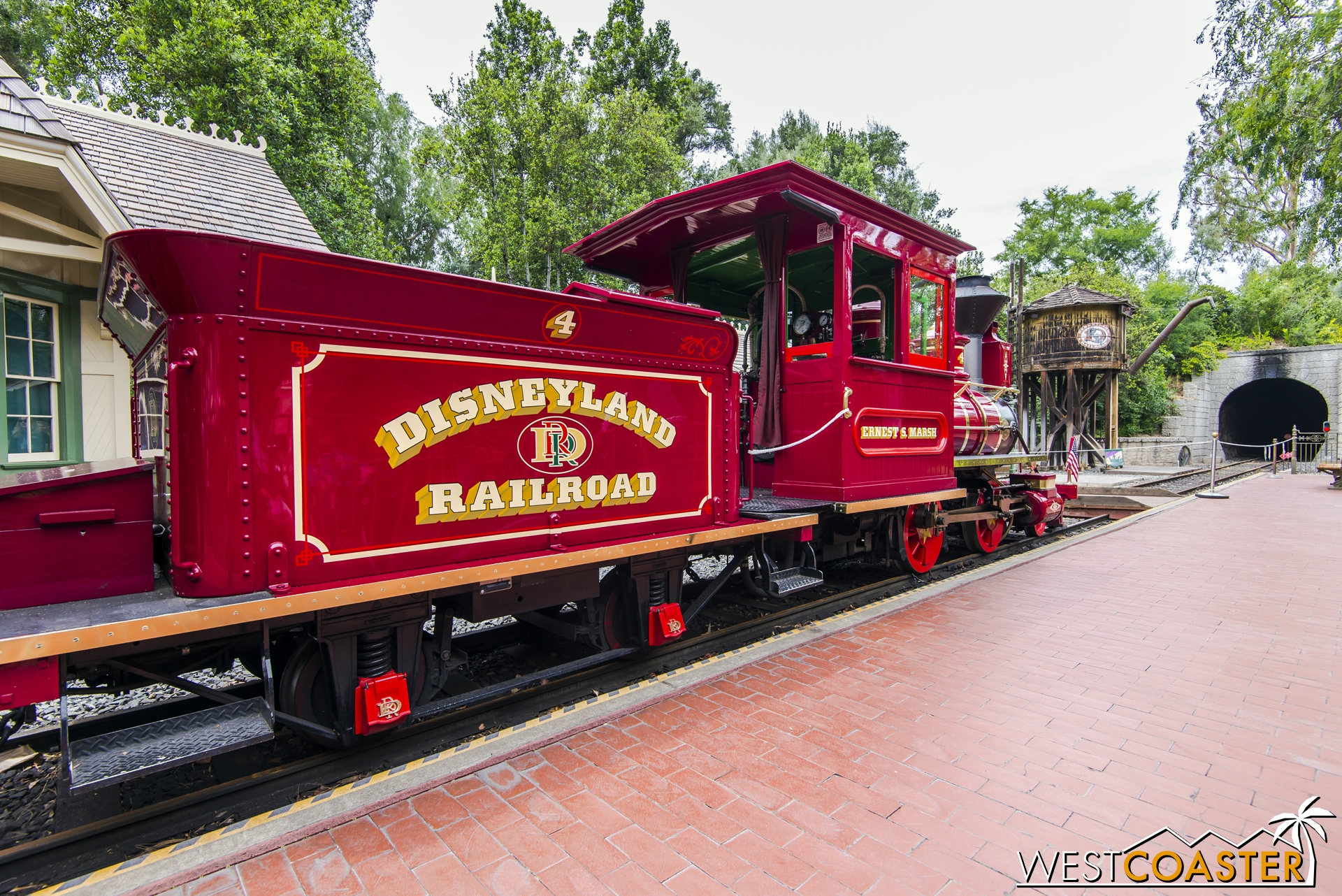 On the day I visited, I saw a few older Disney fans reminiscing of the nostalgia of accessing the old New Orleans Square station (when it was the Frontierland Station, I believe) in their youth.