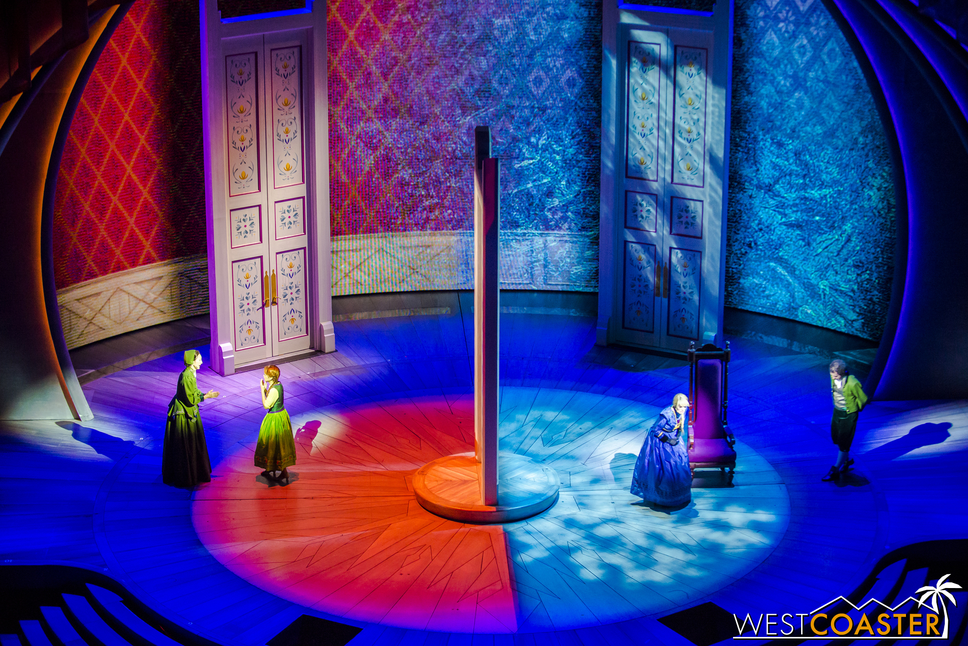 The resulting tension of the incident causes Anna and Elsa to debate joining the First Order or the Resistance, respectively.