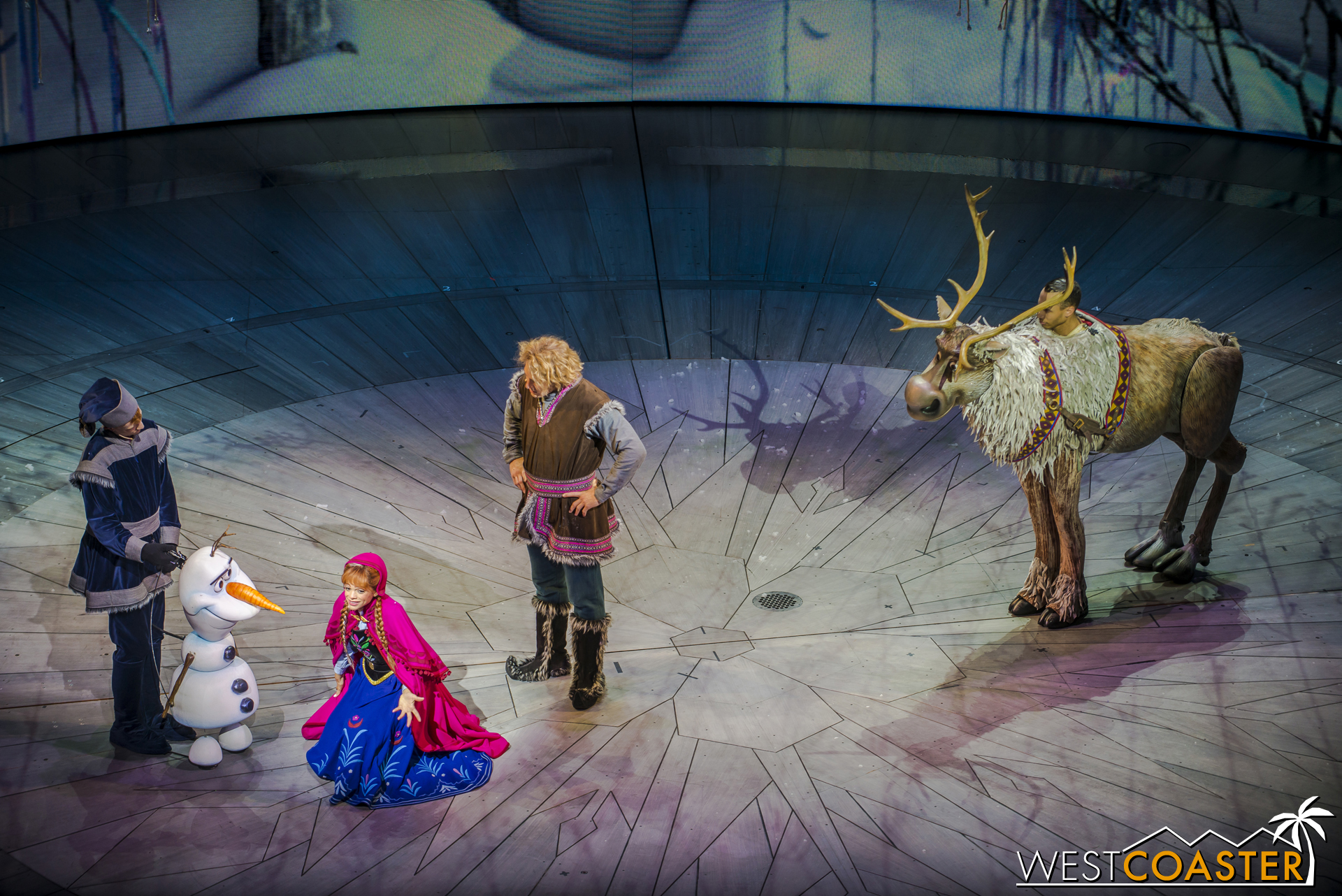 Fortunately, the trio are able to escape the emo lupines when they are saved by Olaf, the Enchanted Snowman.