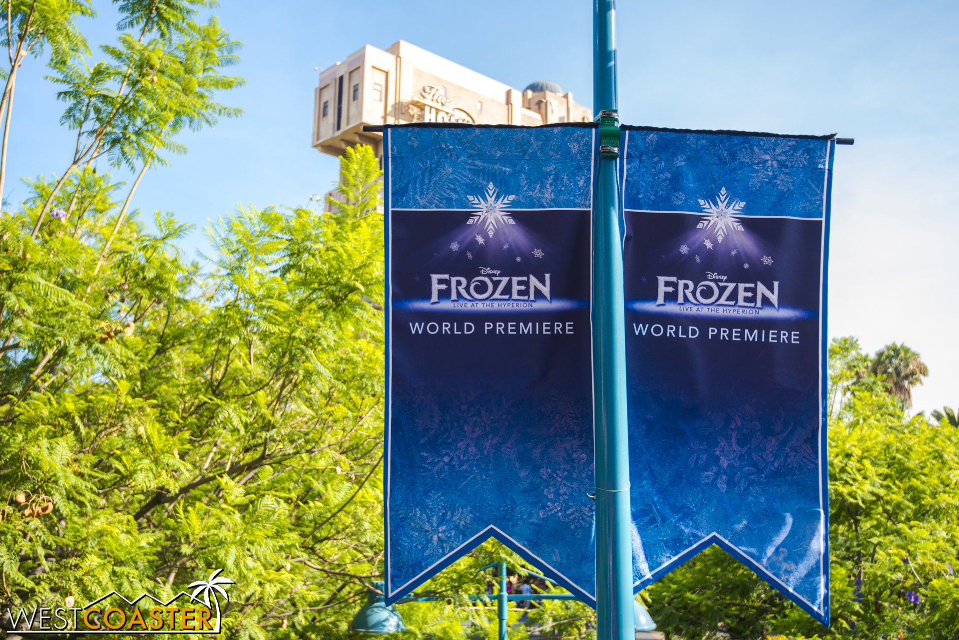 And that, folks, is Frozen: Live at the Hyperion in a nutshell!