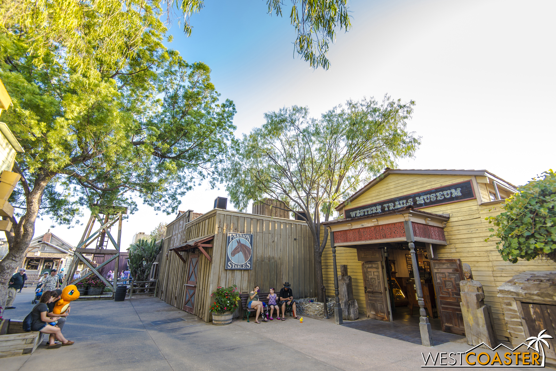 From models to tools to authentic garb to weapons to geodes to supplies, this museum really provides a thorough look at life for the western explorers and settlers. Check out all the things inside!