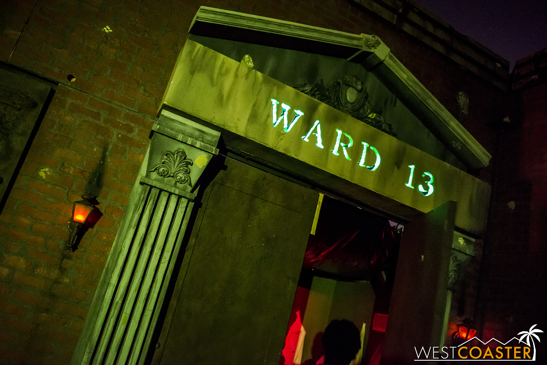 It was wacky and amusingly fun, but then it was time to get dark and finally enter the dreaded Ward 13 of the sanitarium.