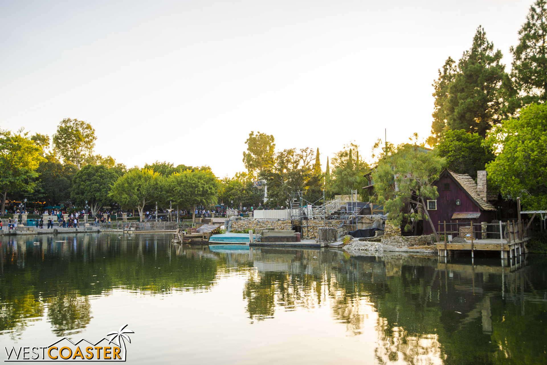 A look at the island from the Big Thunder Mountain side.