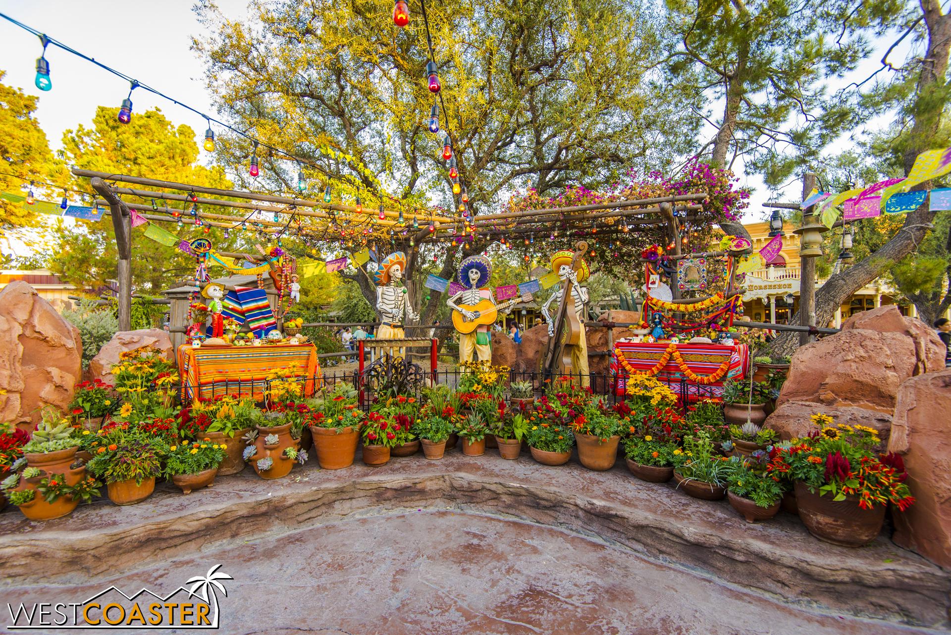 The Día de los Muertos display at Zocalo Park.