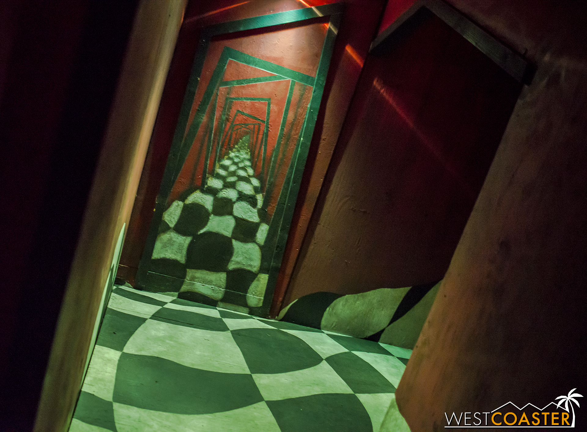 Pictures don't do the maze design justice. In three dimension, the approach and angles of many parts of the this maze create some cool and disorienting illusions.