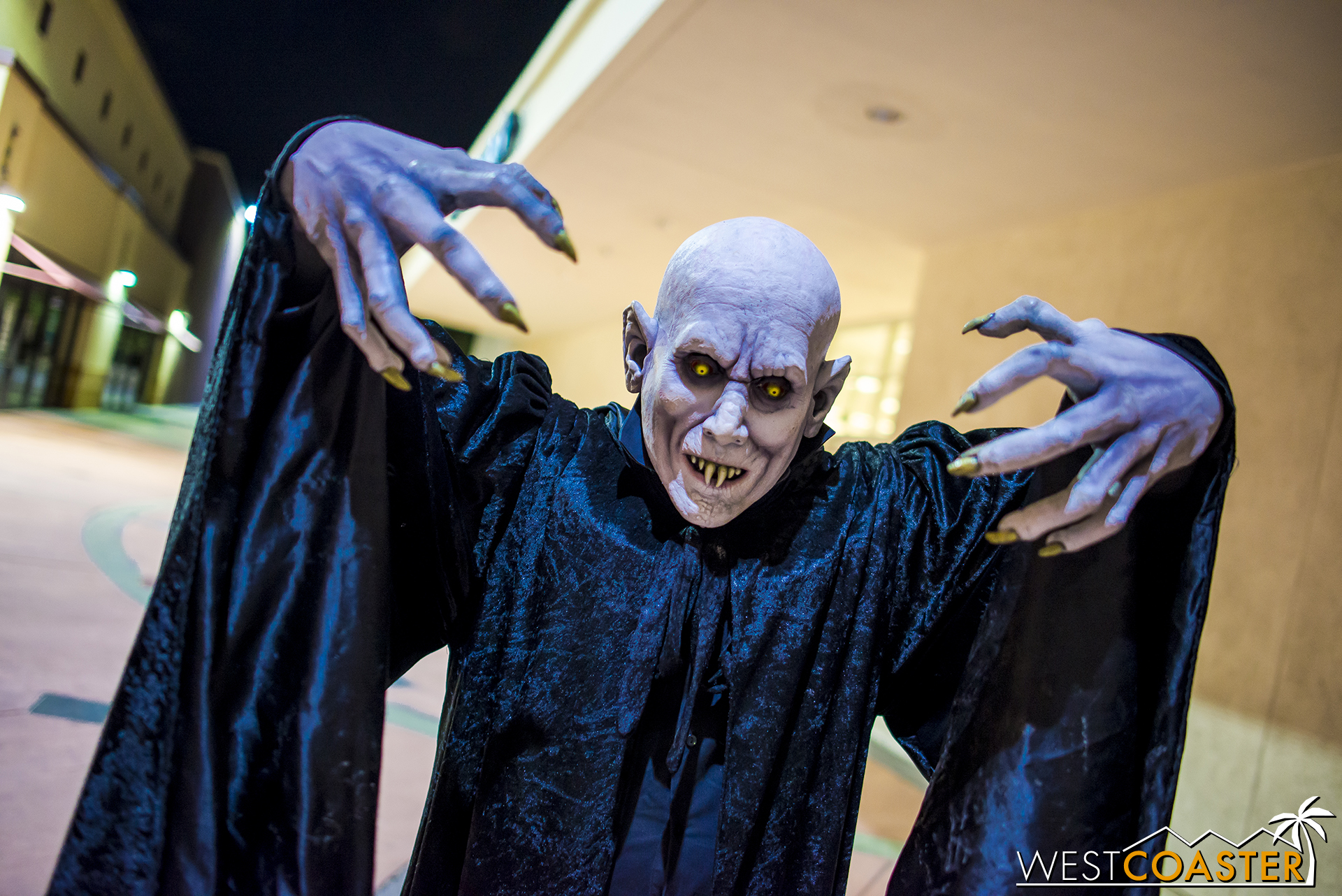 As is customary at haunts, a few monster talent spook around the line outside.