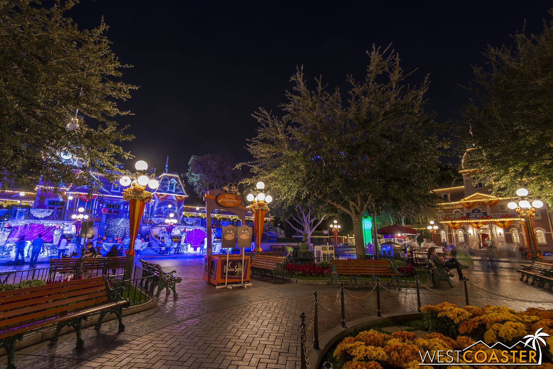 The Disneyland Railroad station also receives decorations and a dramatic lighting package.