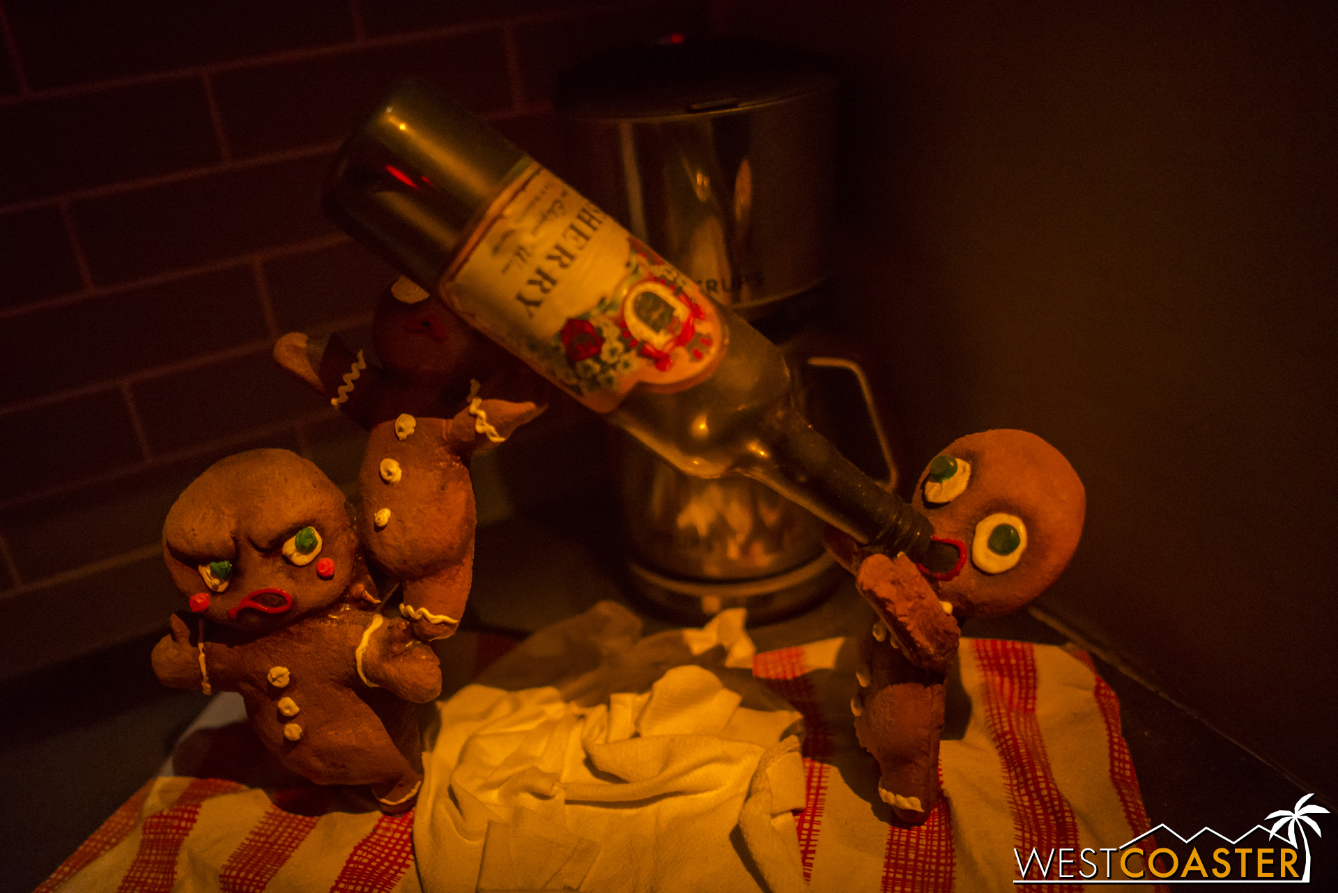 This was probably my favorite detail of the night.  Alcholic possessed gingerbread men? What could go wrong?