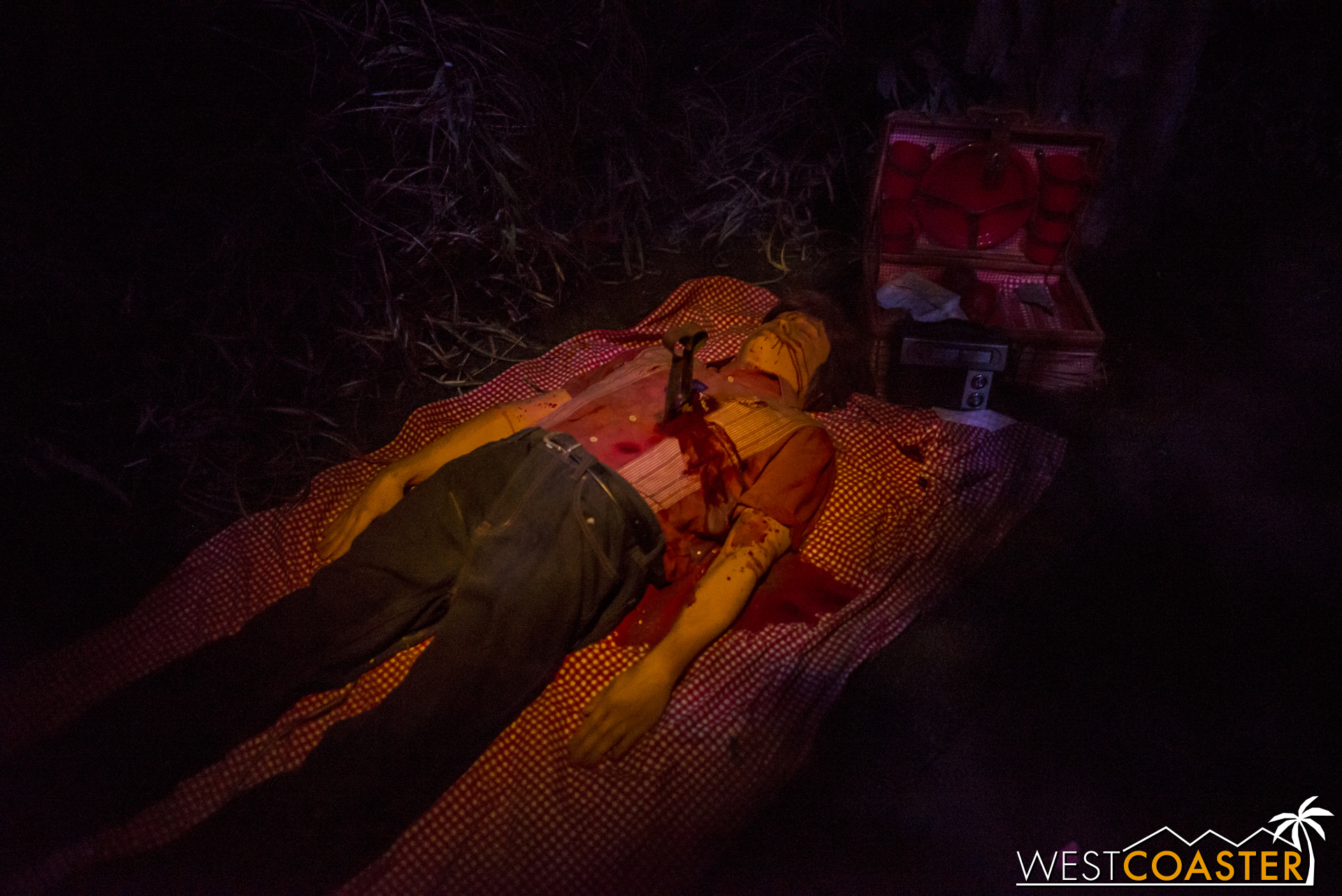 Onto Freak Show, where we quickly come upon Twisty's first victim. Well, first in the show.
