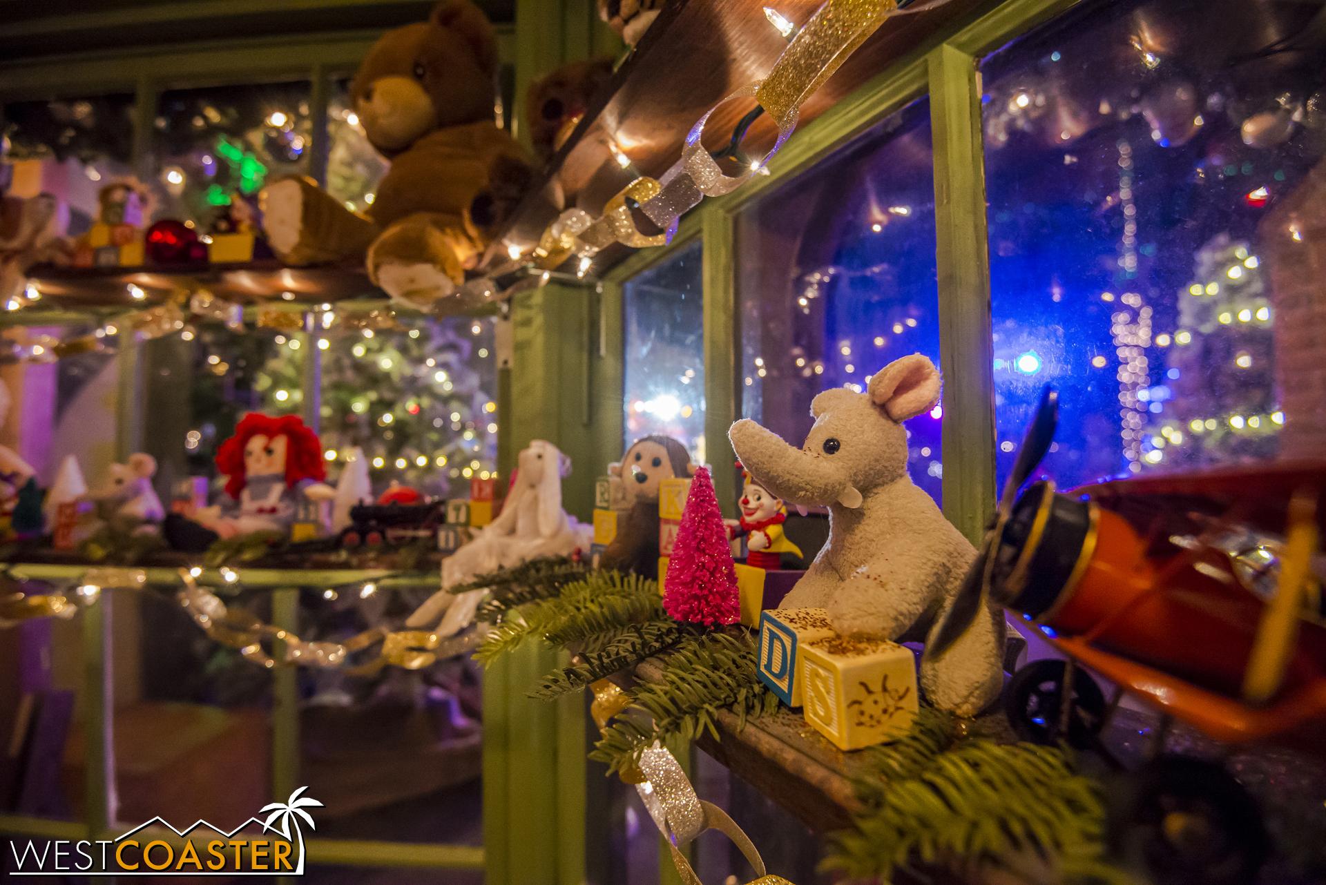 Santa's Stocking Stop - 0004.jpg