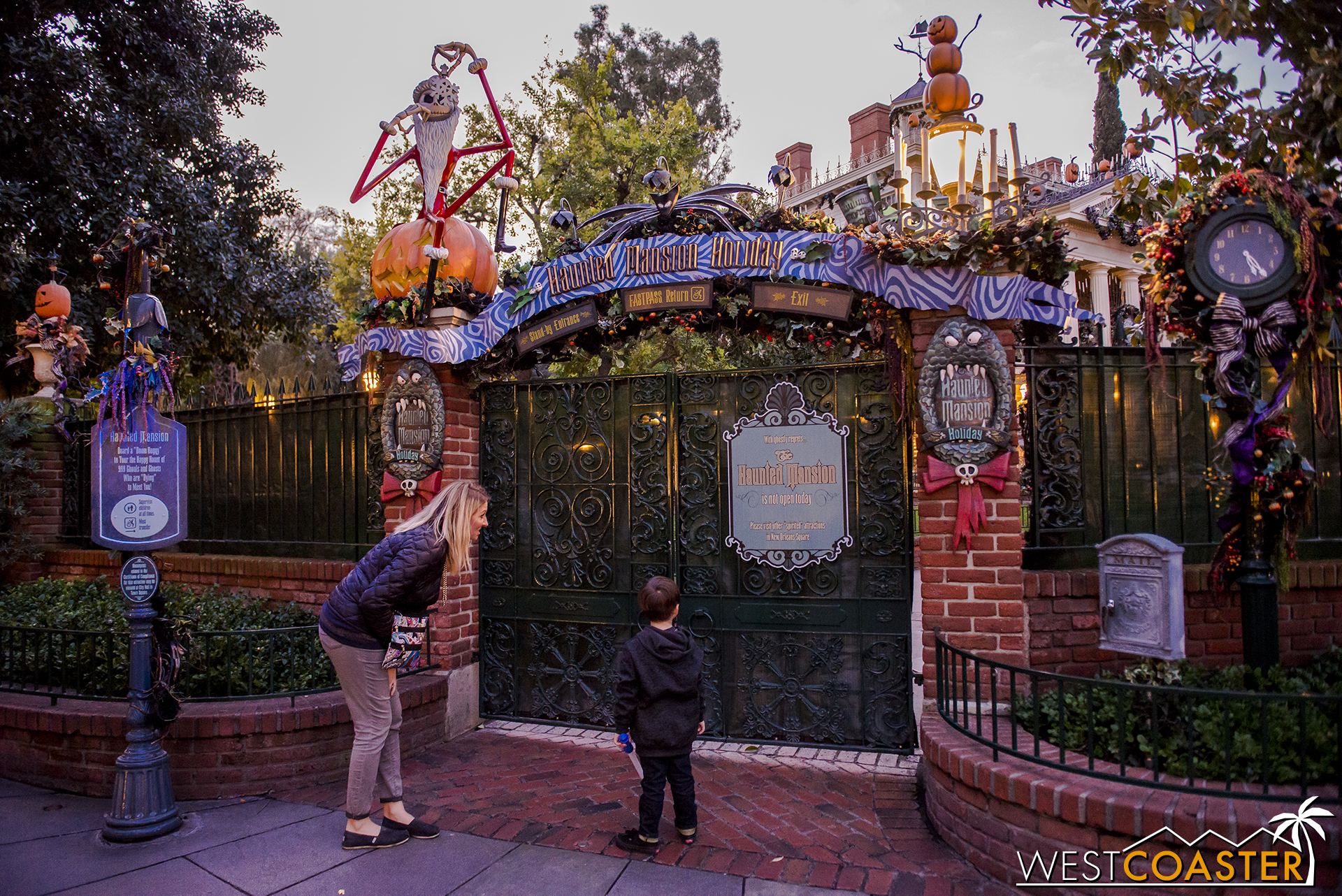 The Haunted Mansion is now closed. If you want rides, well then that blows.
