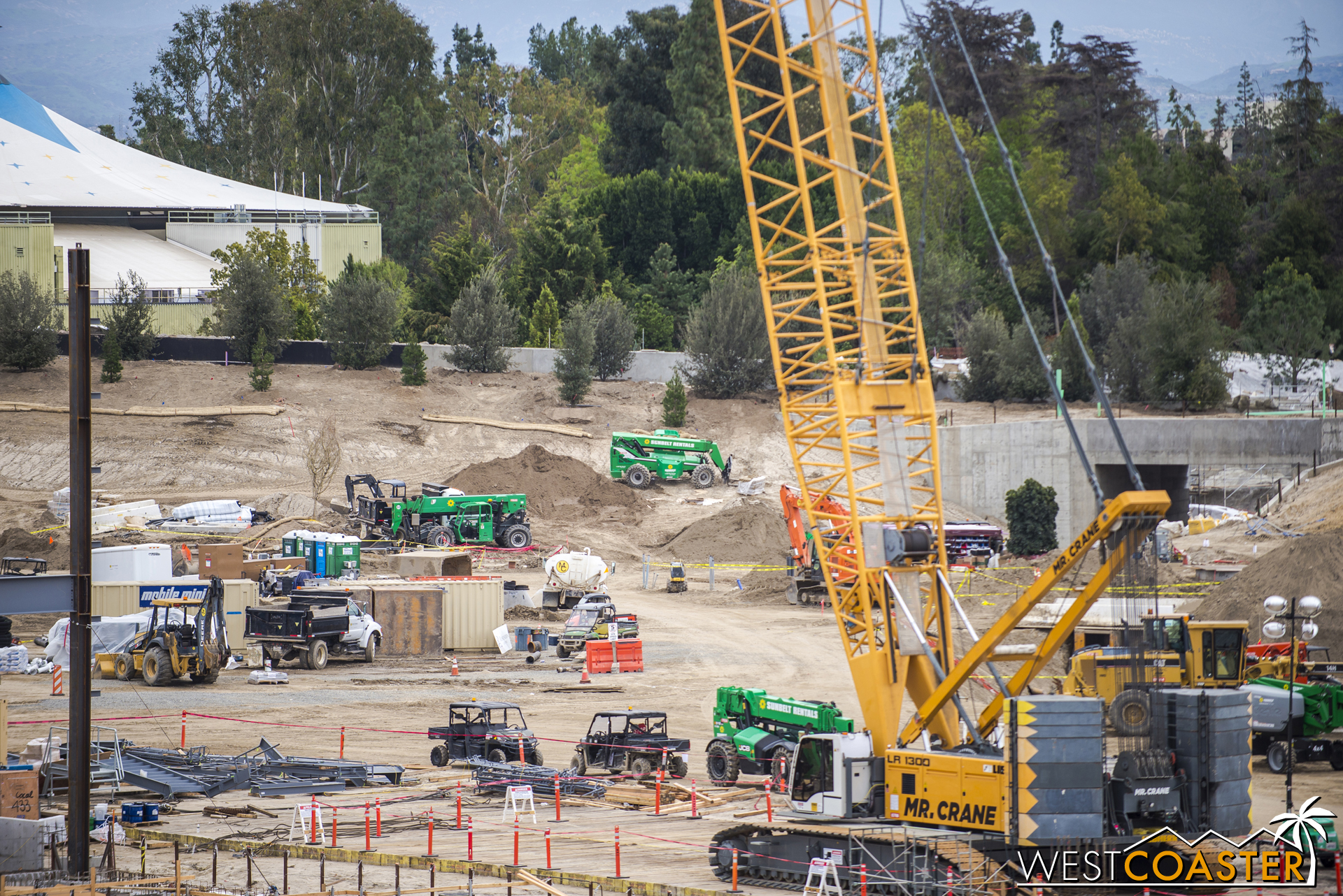 But the green construction vehicles seem to indicate that some soil work has been ongoing.