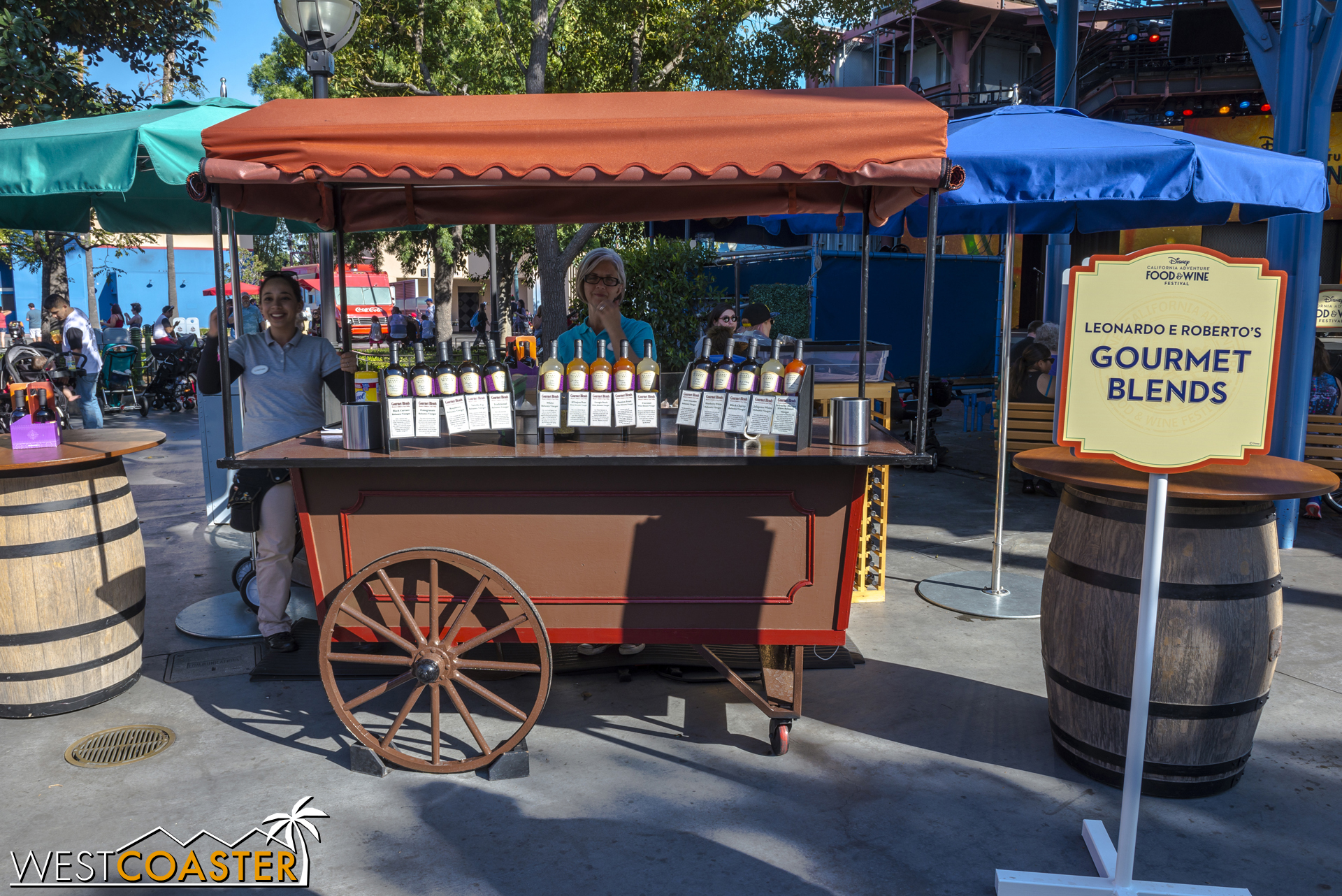 There are vendors in Hollywood Land too, like this balsamic vinegar purveyor.