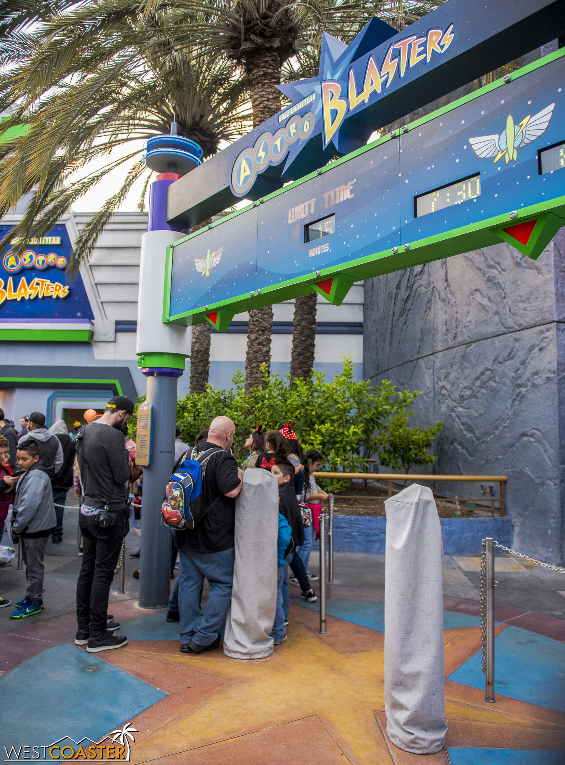 And even at Buzz Lightyear, which along with Haunted Mansion represent two rides whose capacities are more adversely impacted by FastPass than usual, and which definitely don't need it (Mansion even used to have it regularly, and then it was removed due to capacity complications).