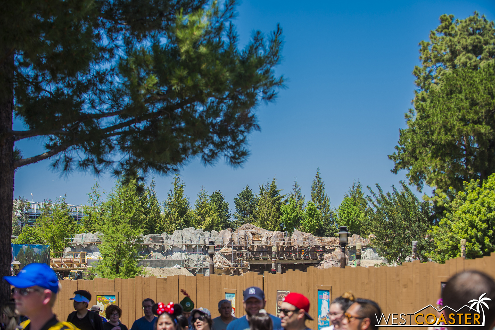 Over by Splash Mountain, we can see the rockwork continue along the Rivers.