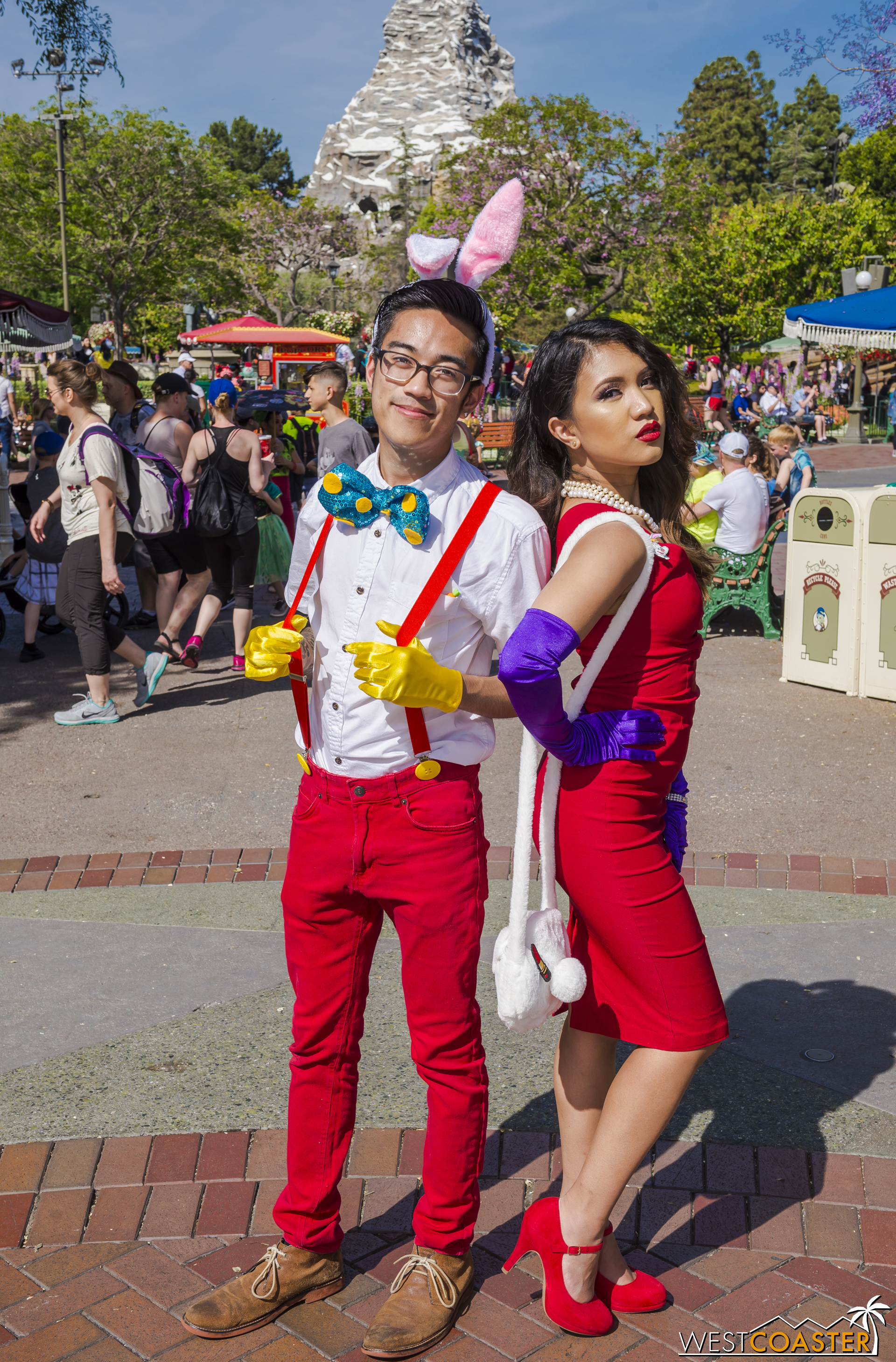 Moving onto the Disneyland side, this Roger and Jessica Rabbit were traffic stoppers.