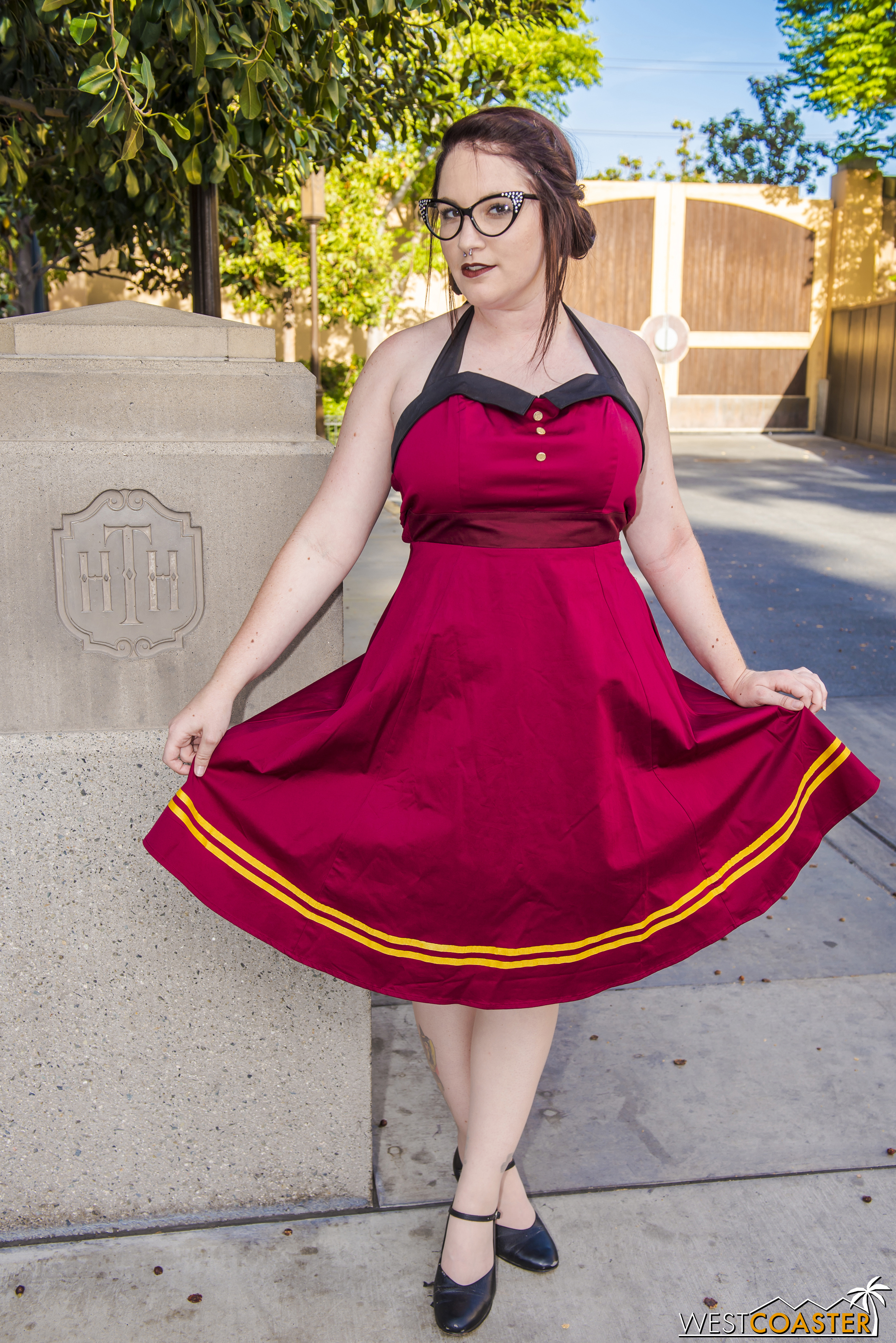 """See? And """"Dolly"""" (alter ego at a certain other location, for anyone who can connect the dots) wasn't it for Tower tributes either. I saw a couple other guests in the same dress."""