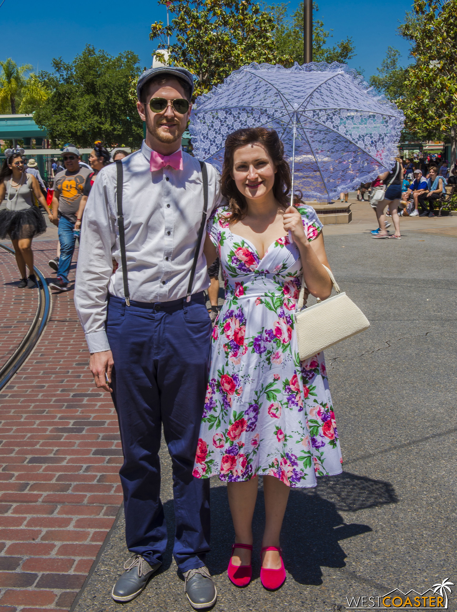 Looking stylish is the name of the game at Dapper Day, and plenty of people find diverse ways of accomplishing this.