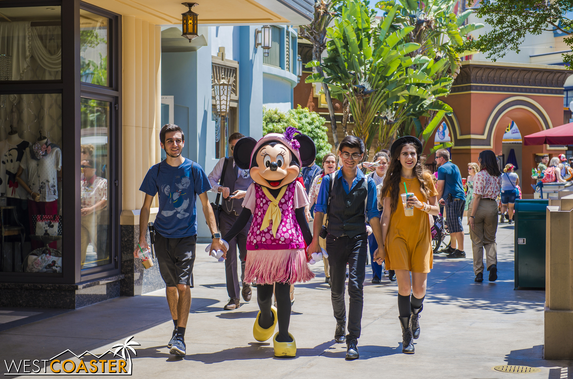 Minnie is always chic, especially on Buena Vista Street, but she had fans dressed sharply too.