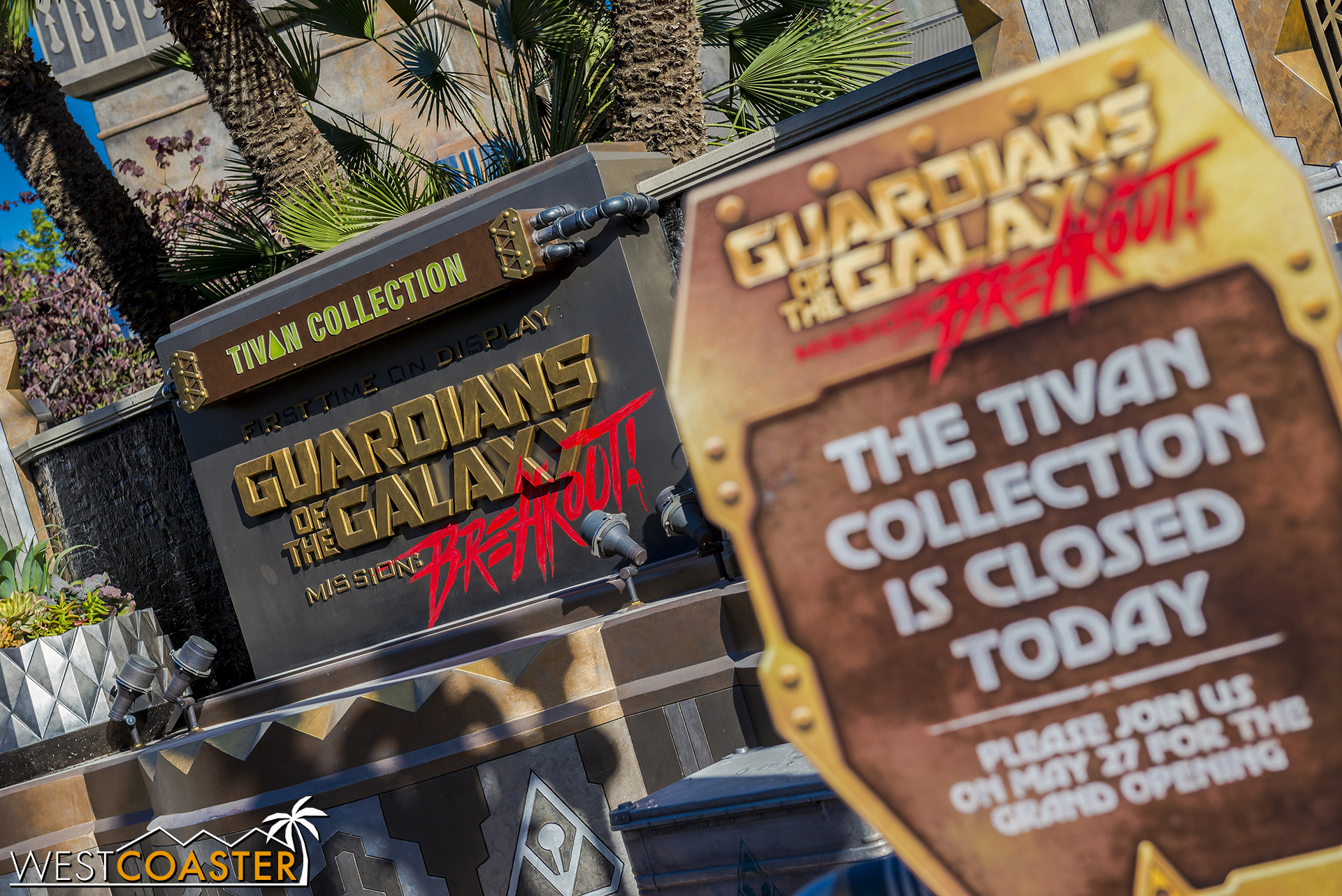It's still closed, though there were some very isolated cast member previews this week.