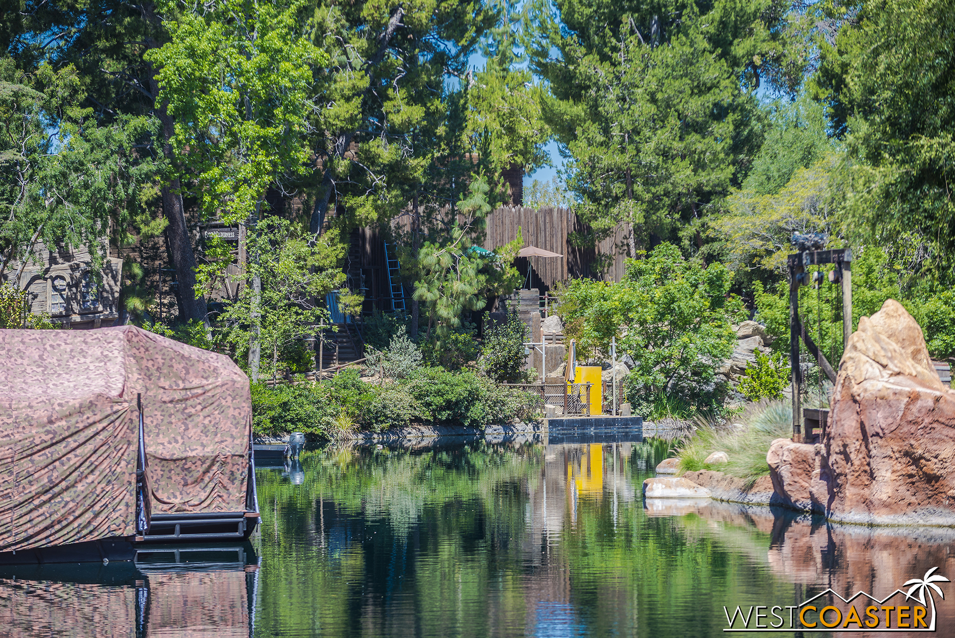 Along the Rivers of America, the dams are totally down.