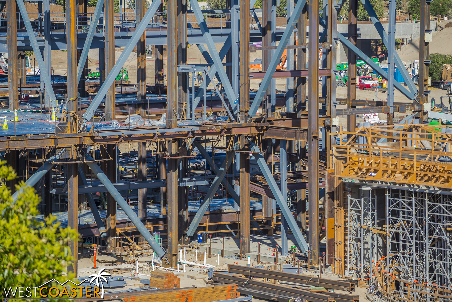 For all you structures enthusiasts, here's a close-up of some pretty dense braced frame intersections.