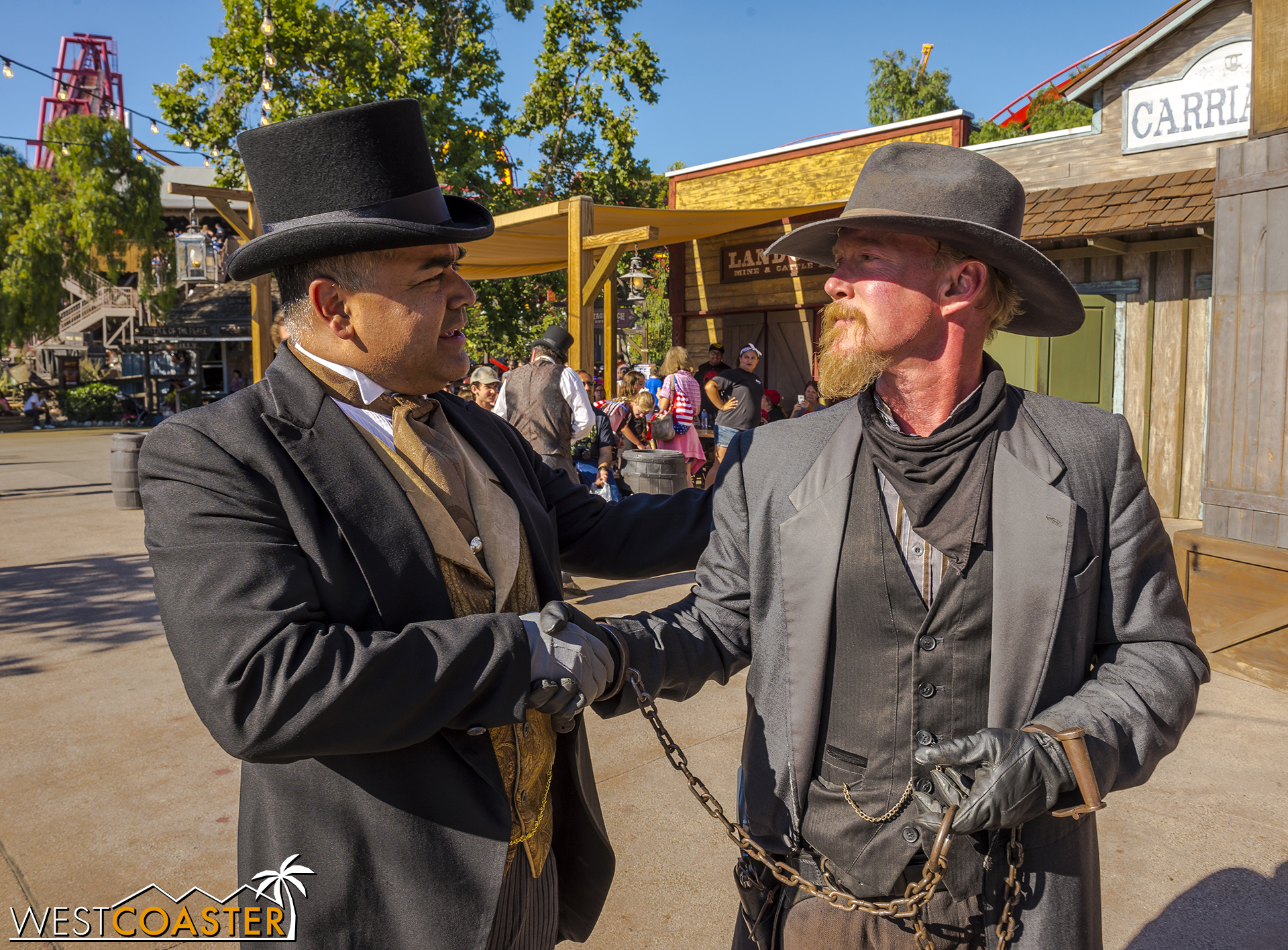 Folks start to gather at Calico Park around 5:30. Here, Mayor Parnell chats with Clay Mayfield. It seems that even though there are villians and heroes, everyone still gets along with each other pretty well. (Plus, Clay ain't so bad this year... right?)