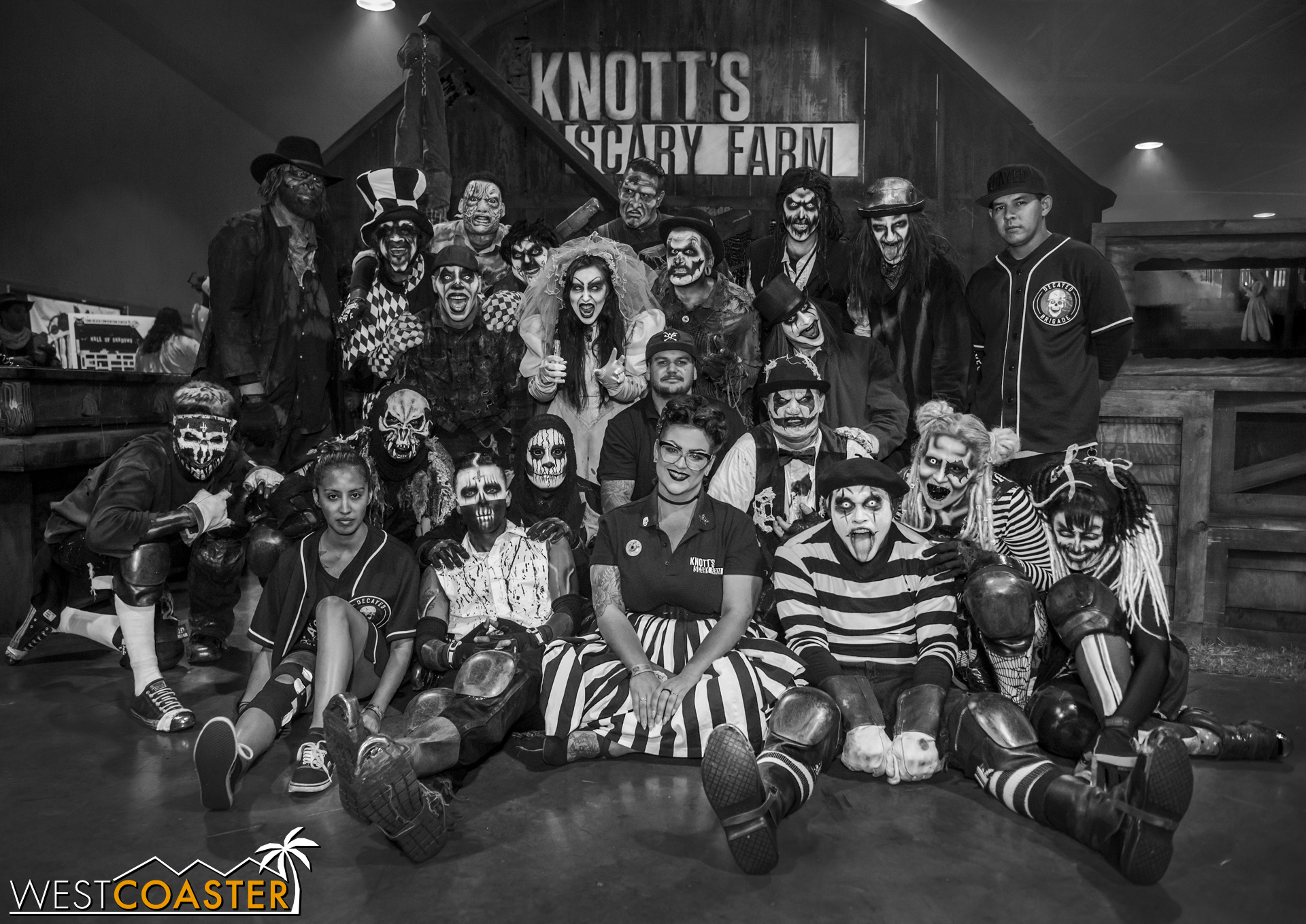 The Decayed Brigade slider group, gathered with some of their Knott's Scary Farm friends for a photo.