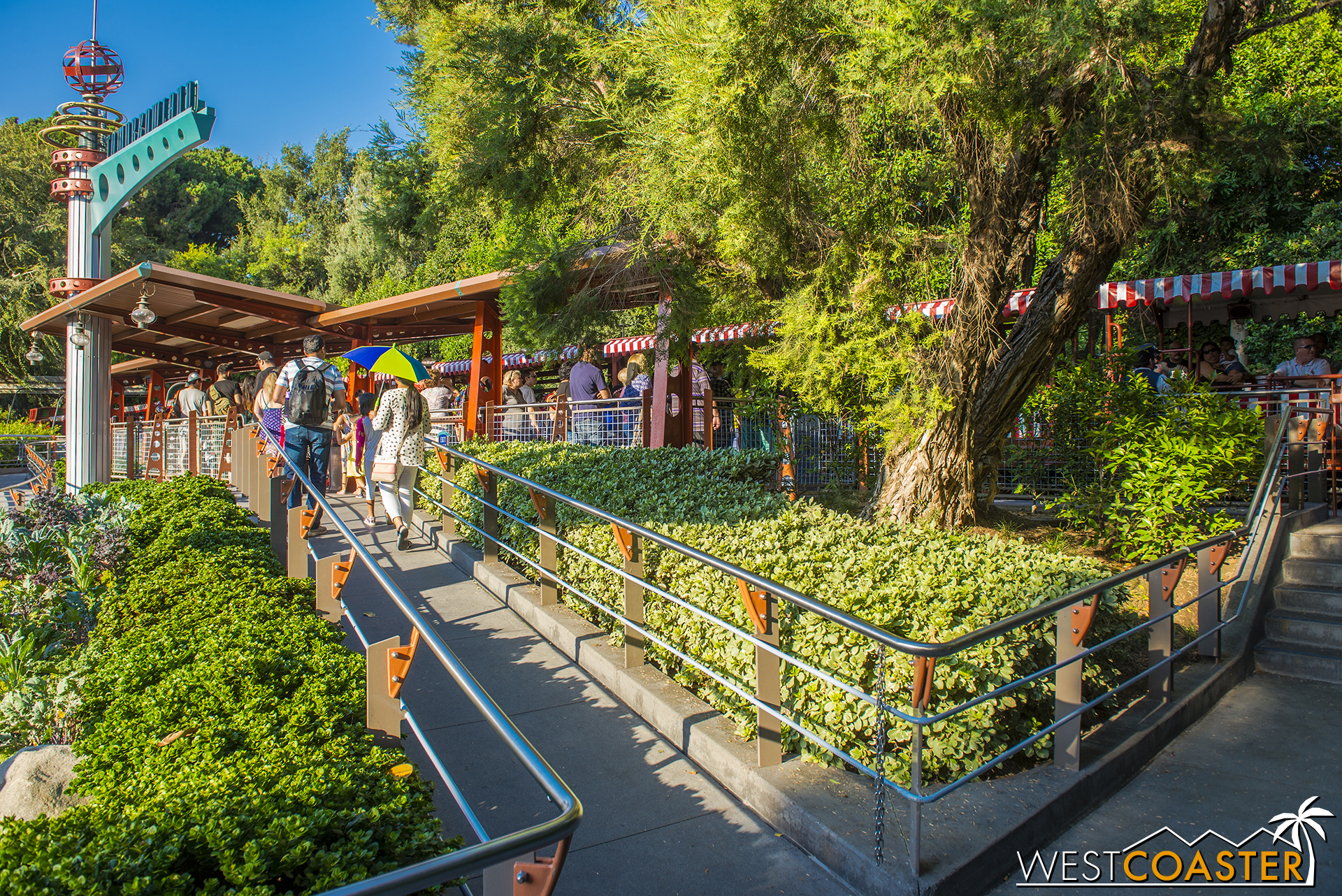 "For a shorter wait, however, try the Tomorrowland Station.  Because it's tucked away over past the Autopia, less people wander over there.  Plus, it's the ""last"" stop before returning to Main Street, which is less desirable for guests looking for a round circle trip."