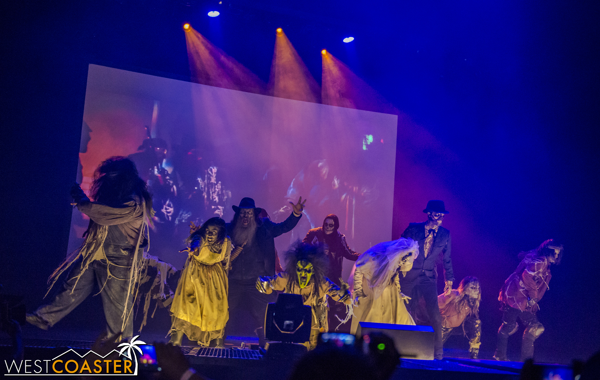 The show began with the ghouls coming out en masse.