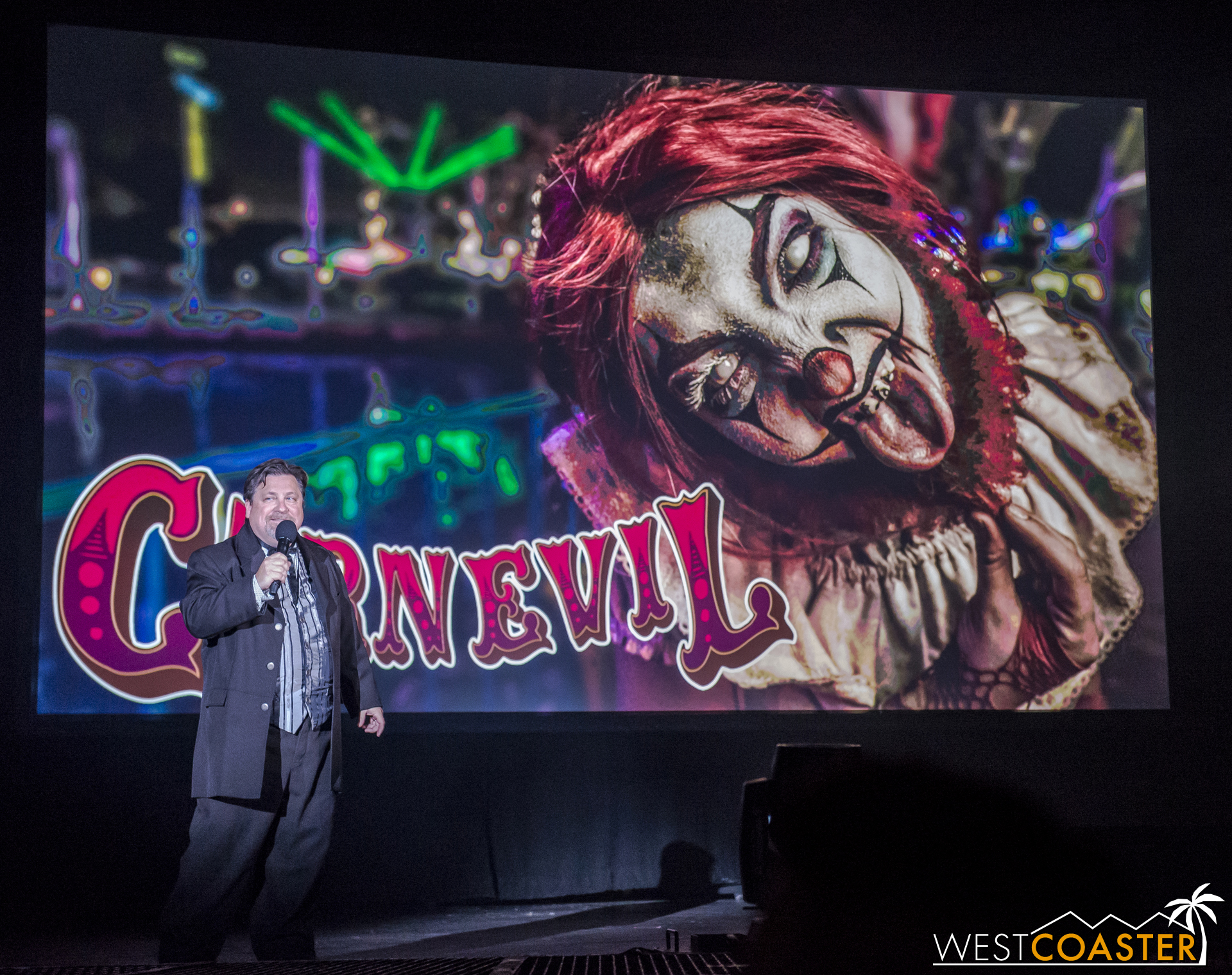 Carnevil returns with clowns, clowns, clowns. The big news was its pairing with its own maze, and after the announcement, it was revealed that said maze (Dark Ride, more details below) would see monsters overlap with Carnevil monsters. A new demented soundtrack will also grace guests' ears, which is good news, because the music in Carnevil is also so sinisterly fun!