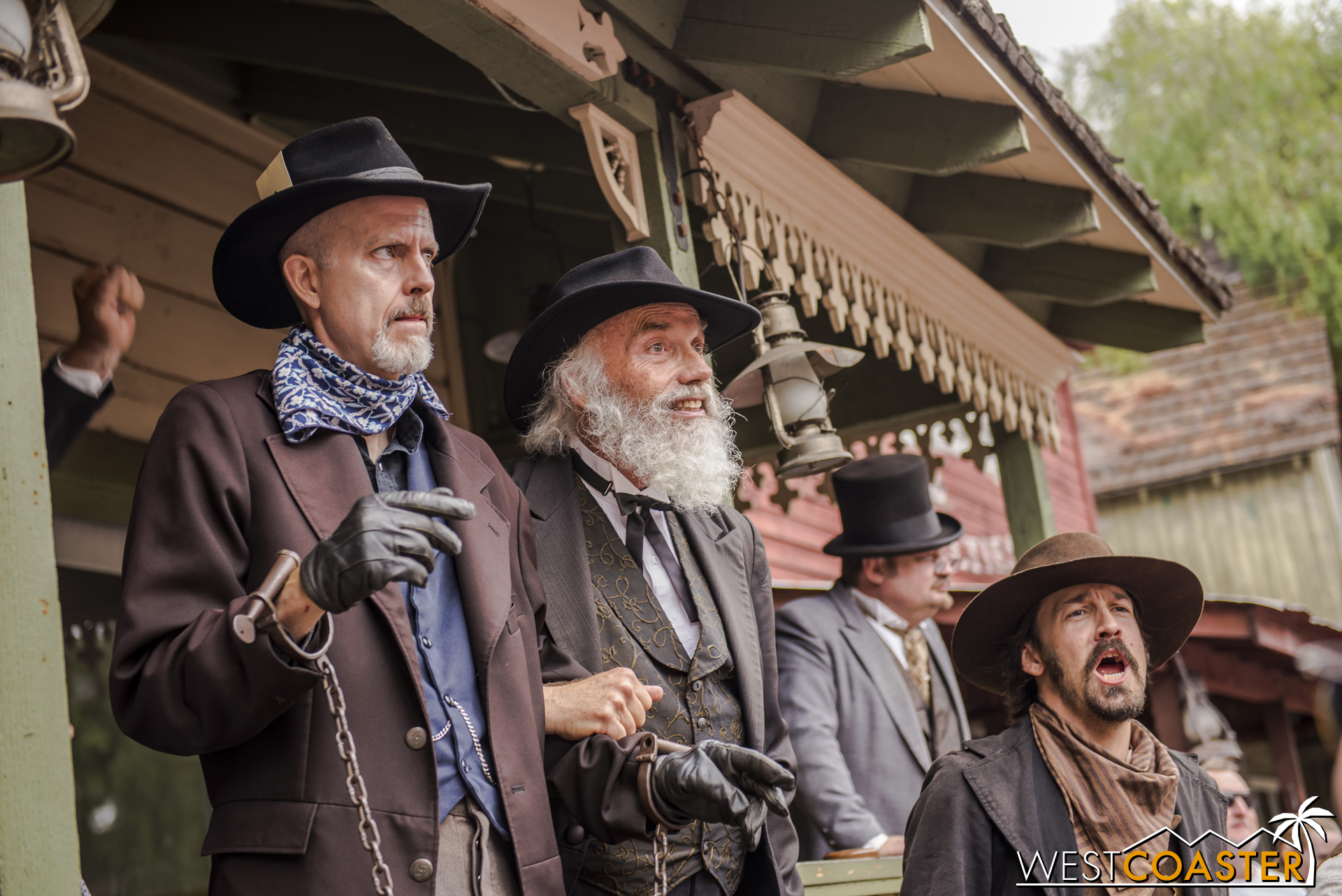Judge Roy Bean is eager to lock up Ox and calls onto the crowd to judge Mayfield's guilt.