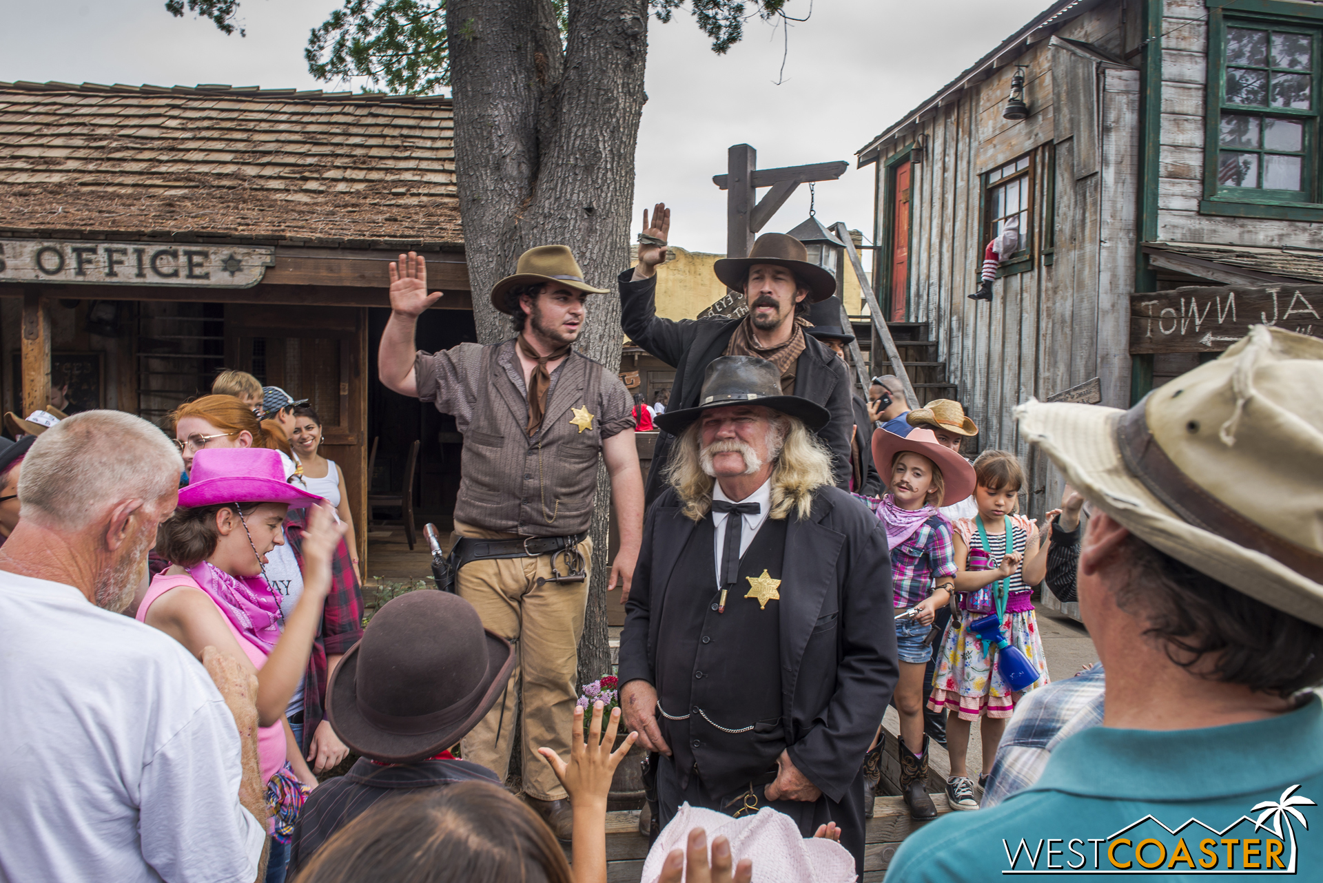 Word arrives that the Mayfields have been spotted holed up a the Calico Saloon, so Sherrif Wheeler and his deputies deputize volunteer guests to help them capture the bandits.