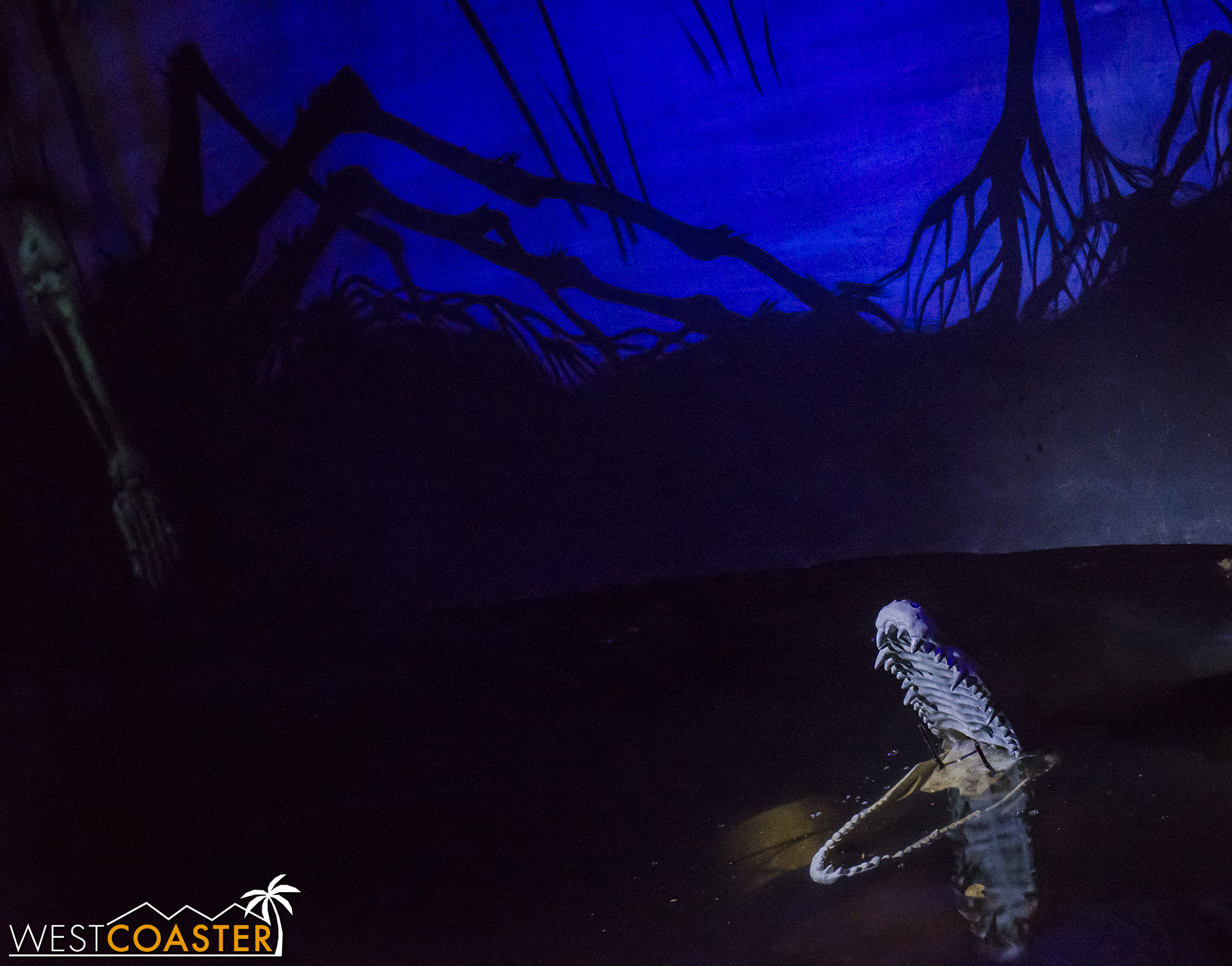 SpookyHollows-17_1031-0005.jpg