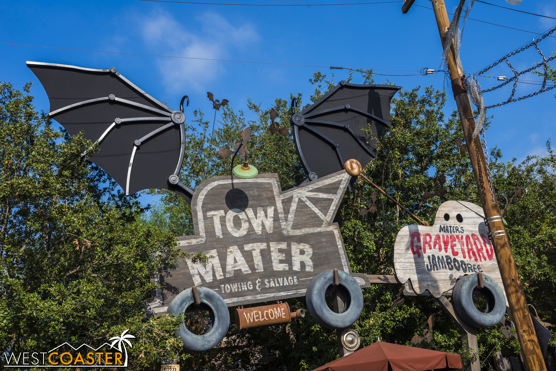 All throughout Radiator Springs, residents unleashed their Halloween-inspired more monstrous sides.