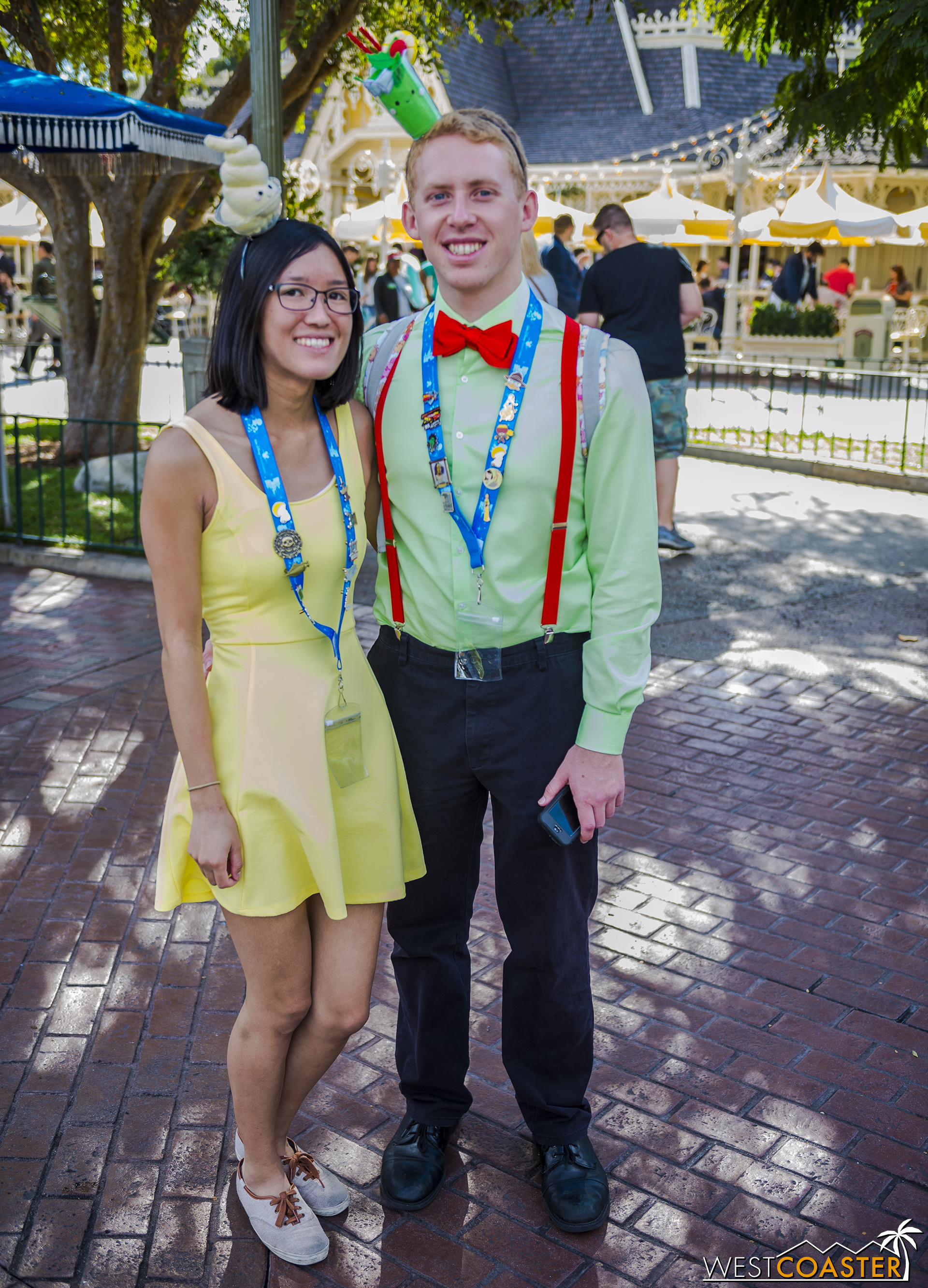 This couple Disney Bounded as the Jerrod Mayuyama Kingdom of Cute versions of Dole Whip and Mint Julep!