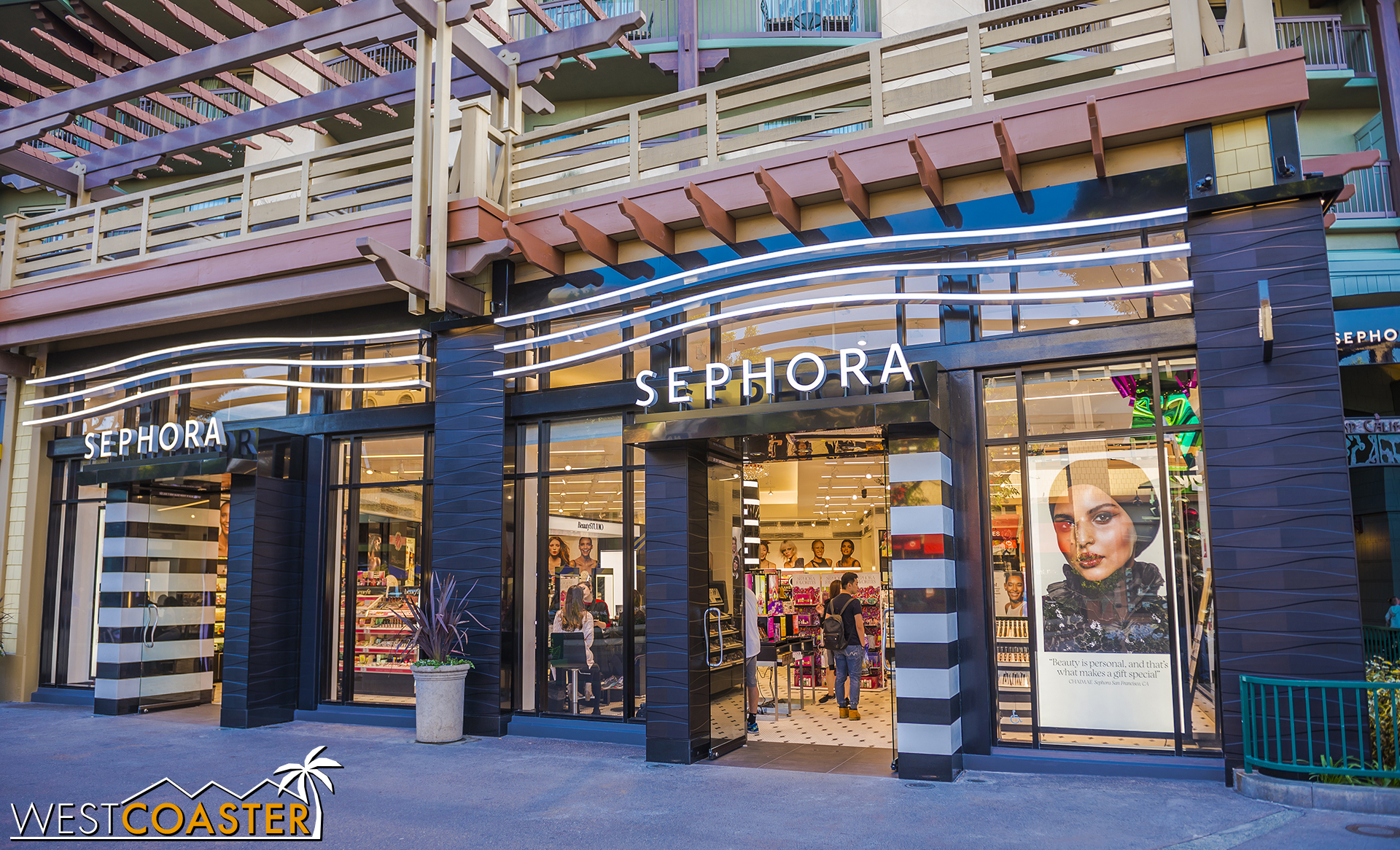 And Sephora's facade now looks a little more ripply textured.