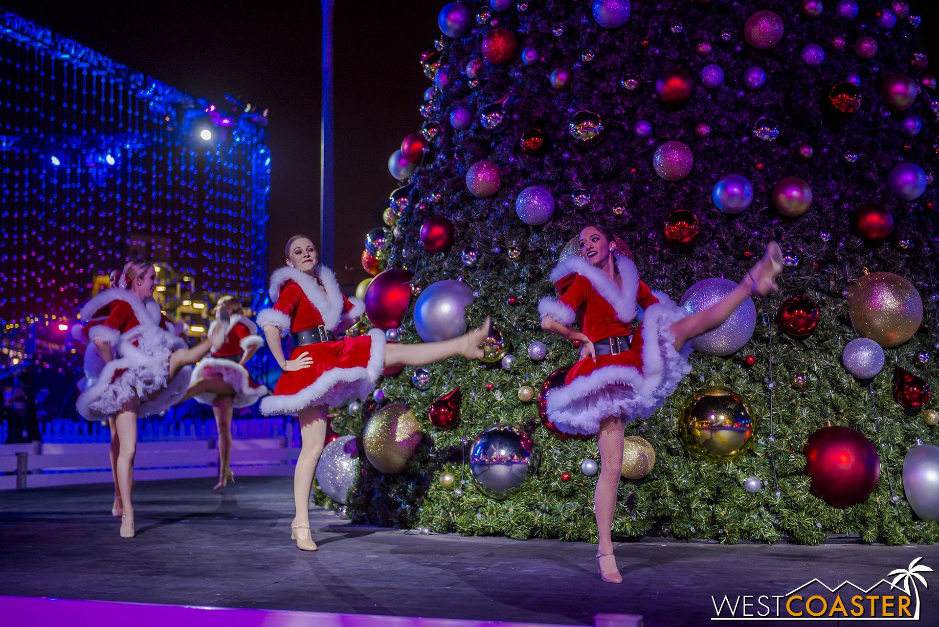 Chill-17_1215-Show-Dancers&Lights-0003.jpg