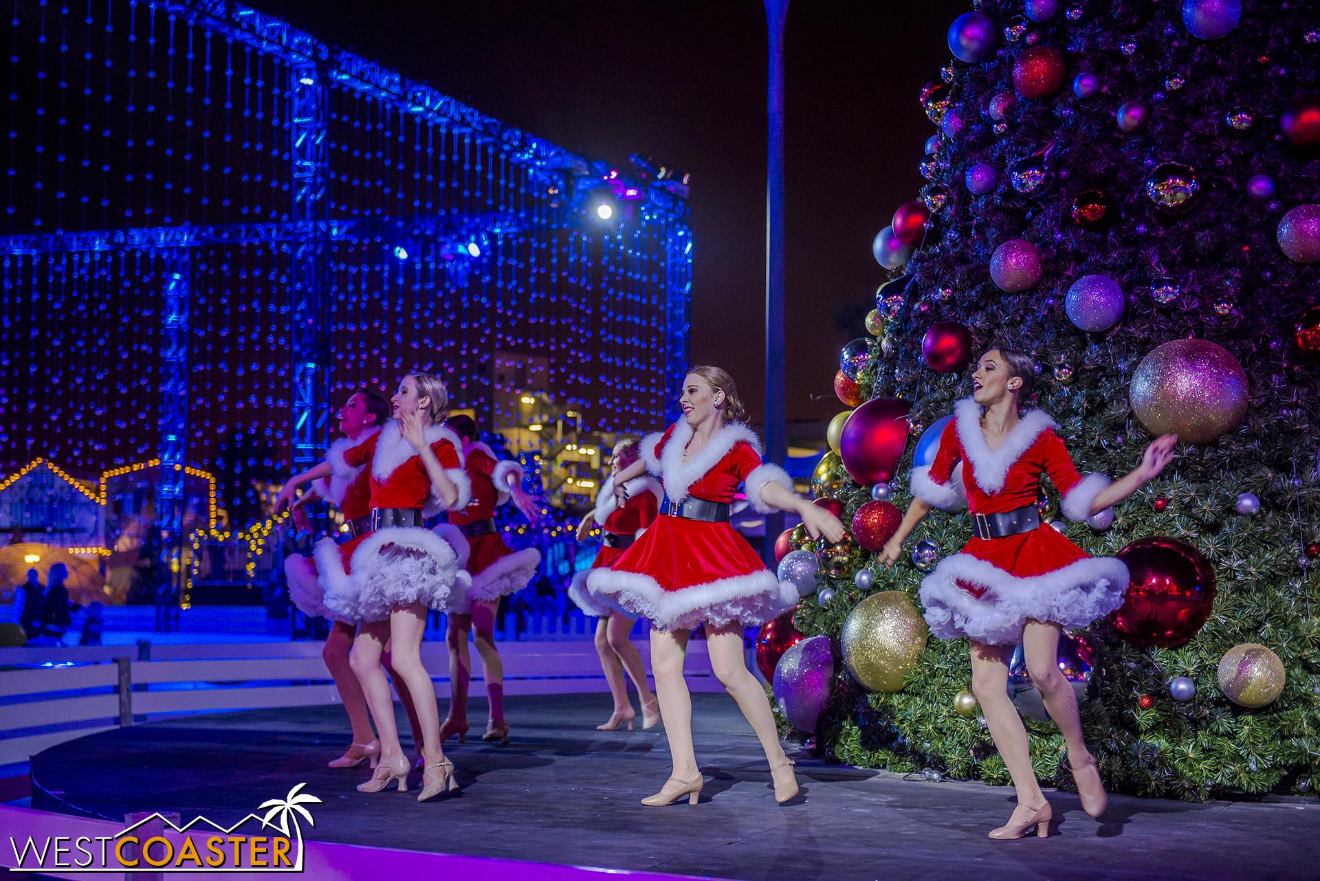 Chill-17_1215-Show-Dancers&Lights-0005.jpg