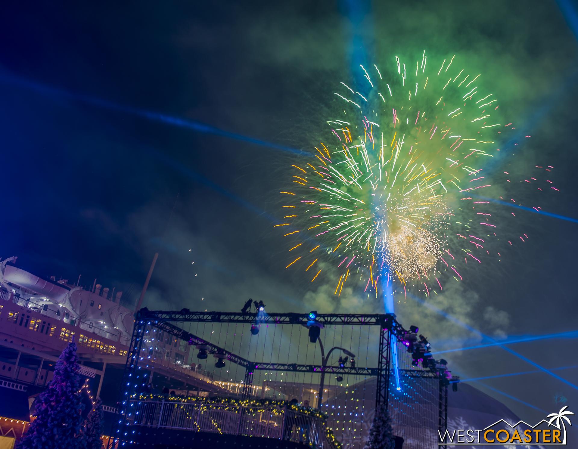 Chill-17_1215-Show-Fireworks-0005.jpg