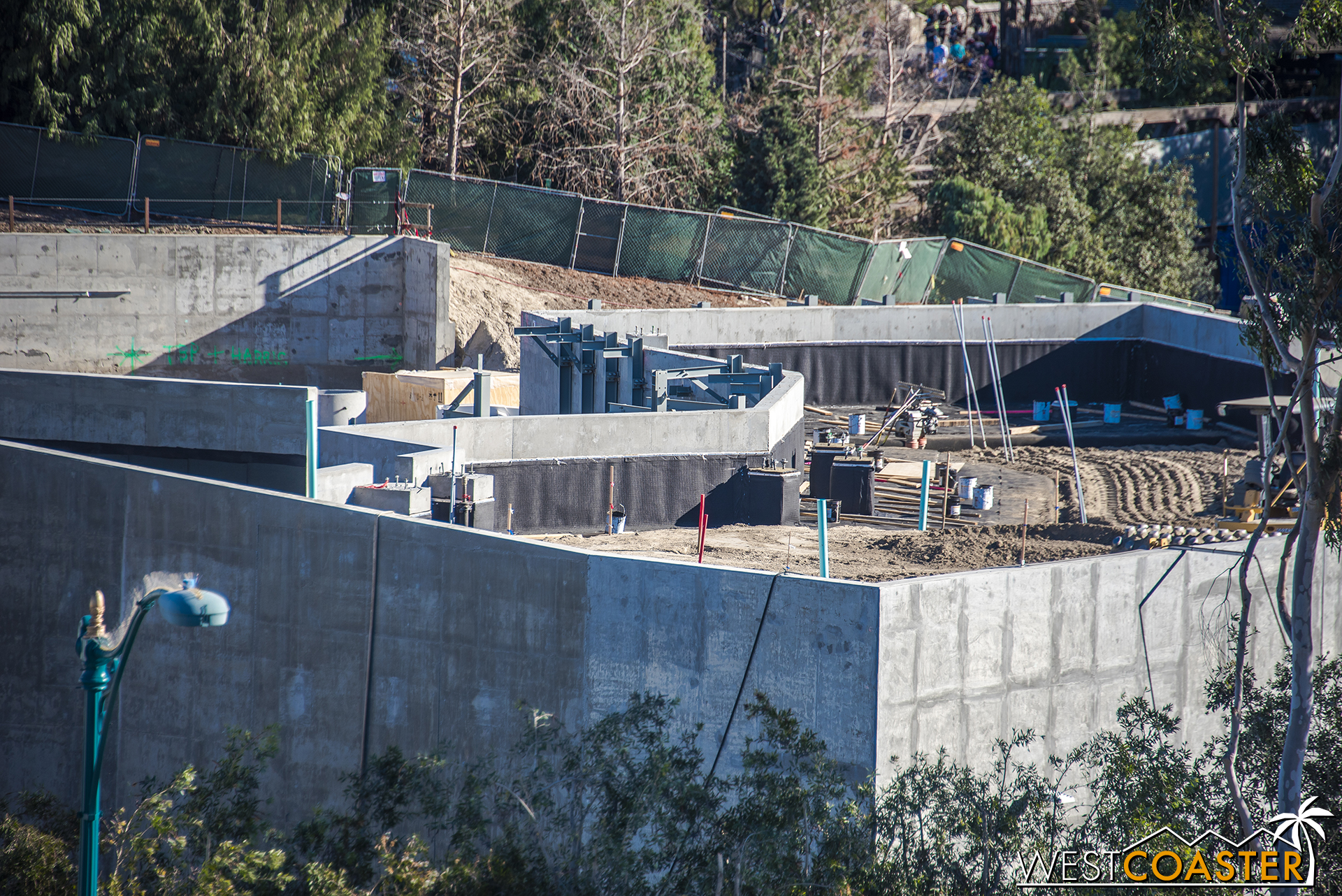 Looking toward the Critter Country side, it looks like they're actually back filling earth into this area of Galaxy's Edge. I had thought it might contain more building, but instead, those walls are retaining!
