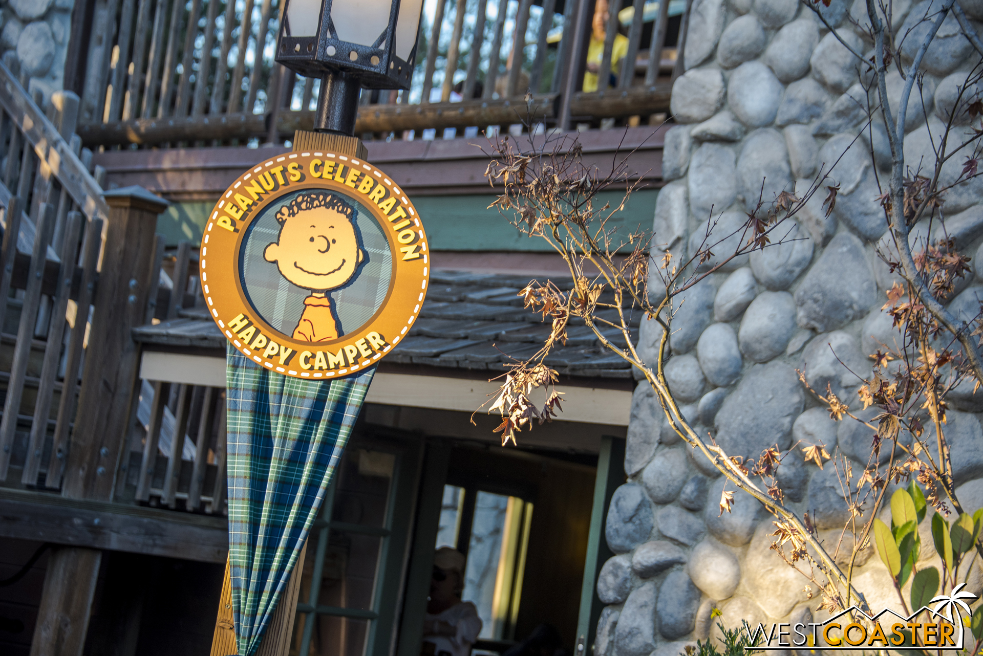 Banners for the Peanuts Celebration can be found throughout Camp Snoopy, but also elsewhere in the park.