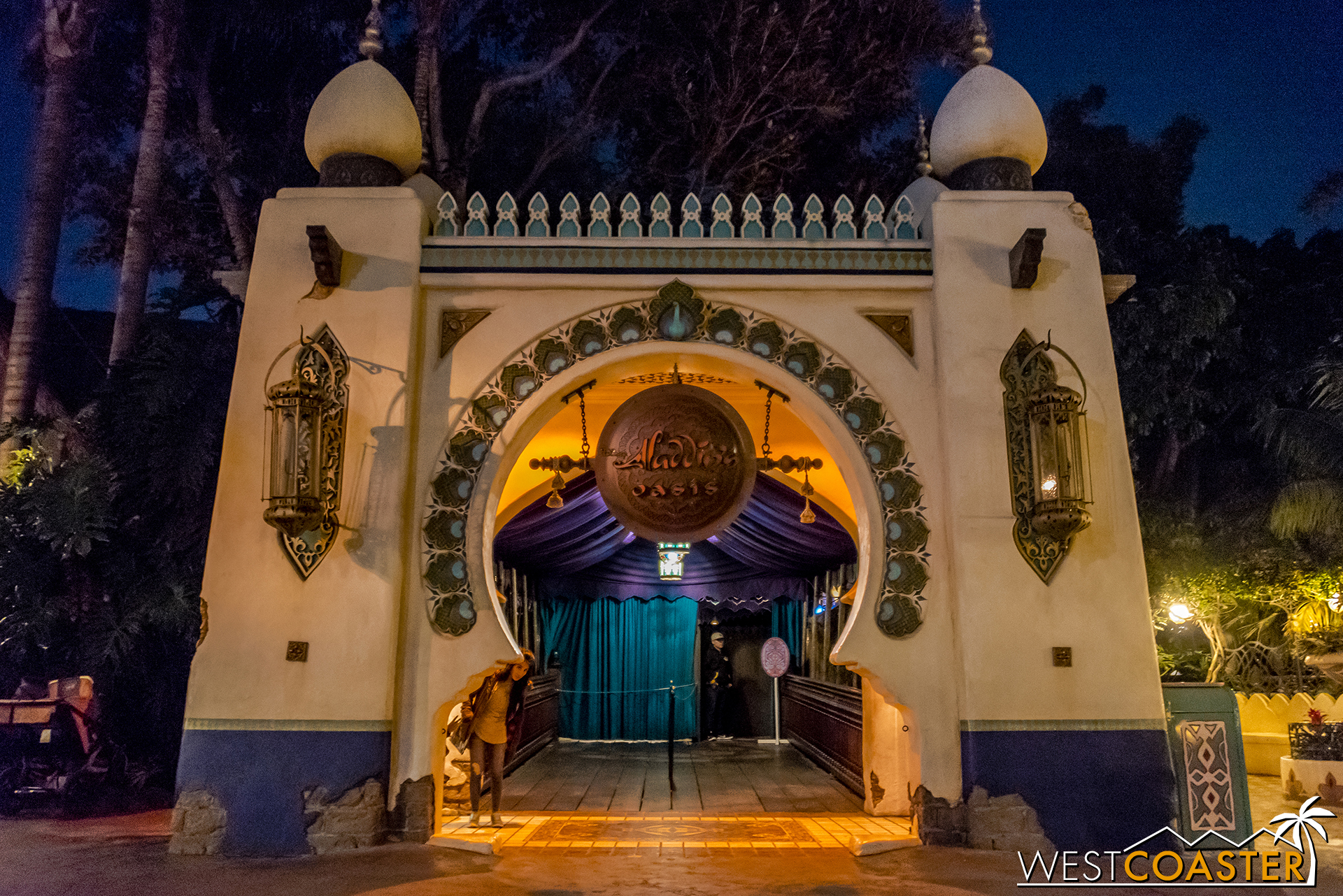 Aladdin's Oasis will be transformed into The Tropical Hideaway soon. Sad news for anyone who hoped for the return of an entertainment venue at the old Tahitian Terrace.