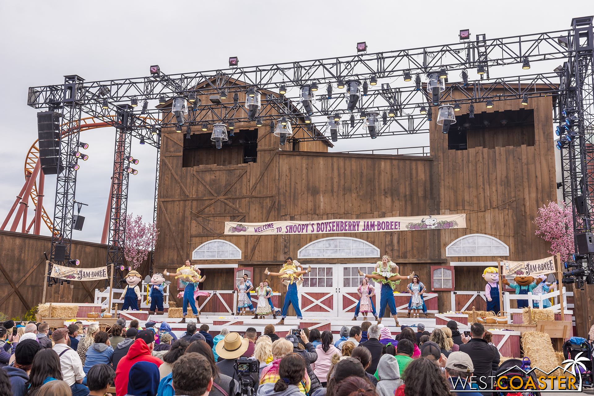 A big dance set kicks off the show.