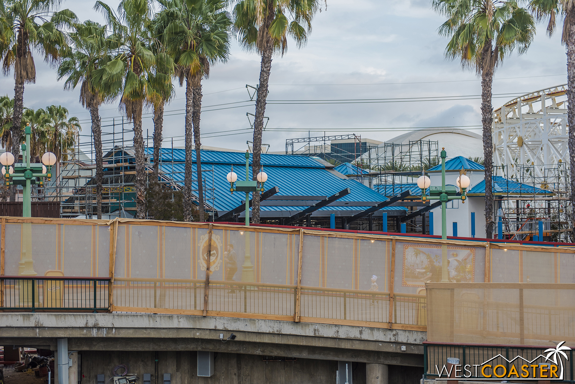 Here's more progress on the Incredicoaster station.
