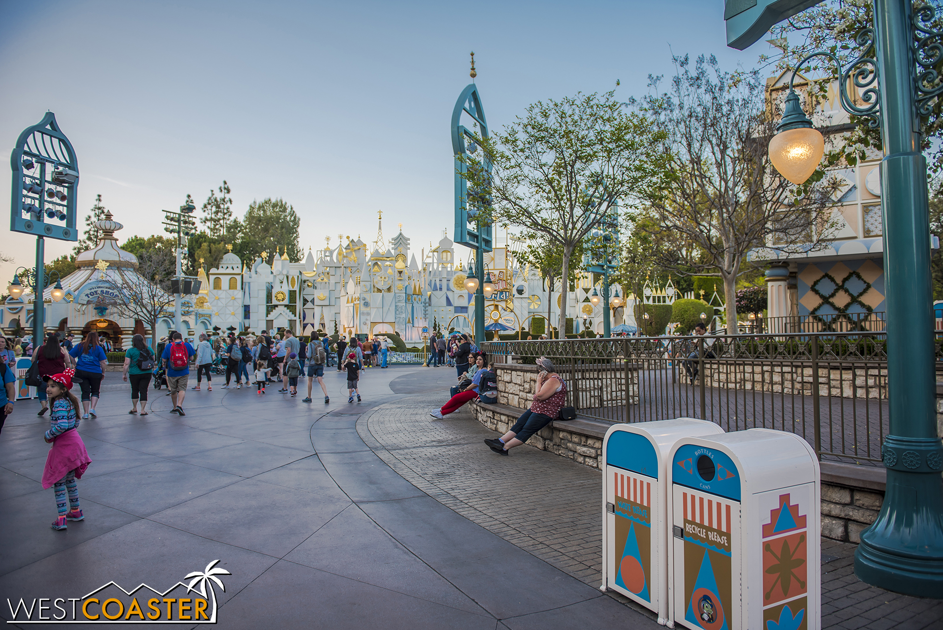 Just in time for parade season, this area is now clear!