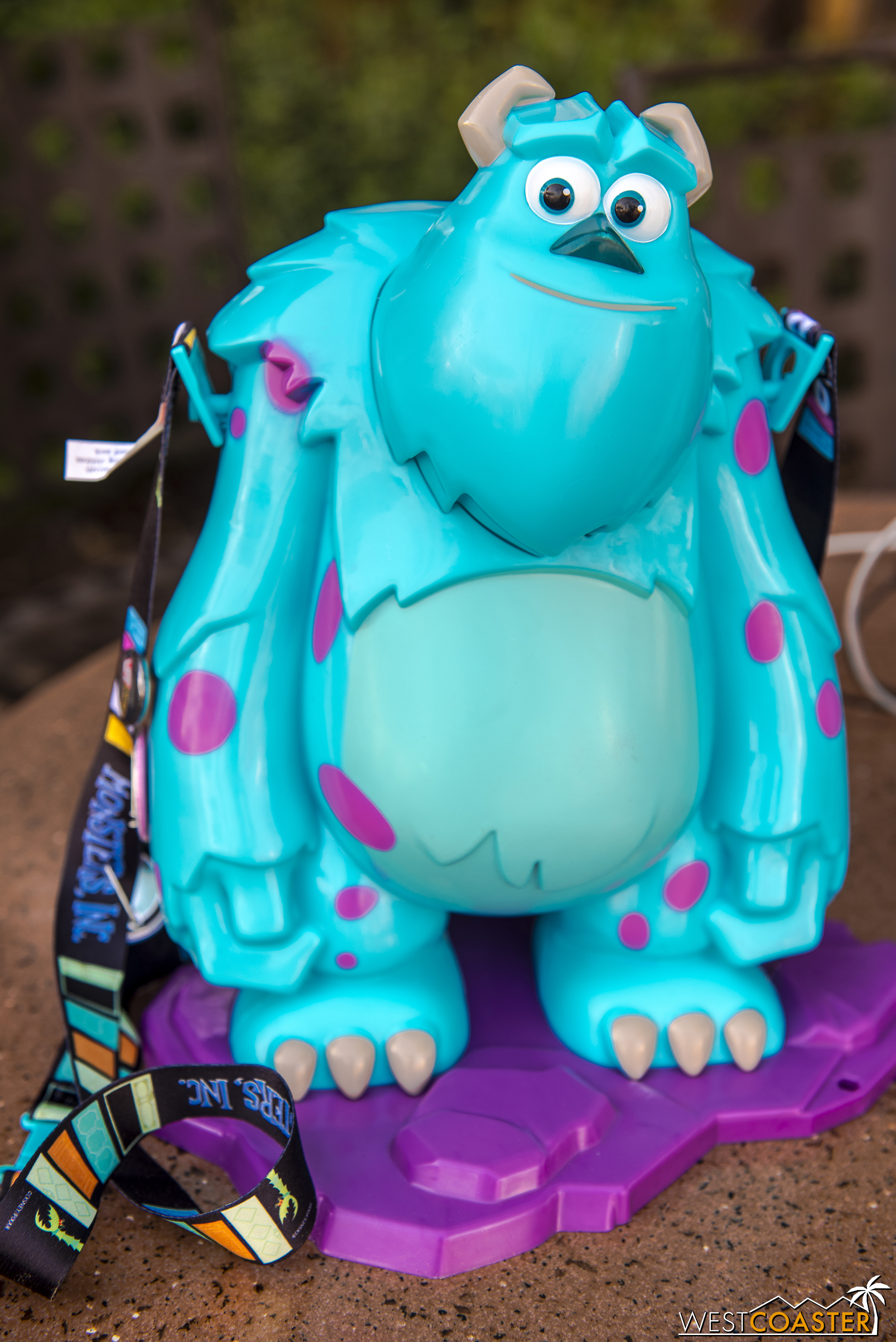 Outside the stores, there are souvenir items at various food stands too, like this pretty fantastic Sulley popcorn bucket.