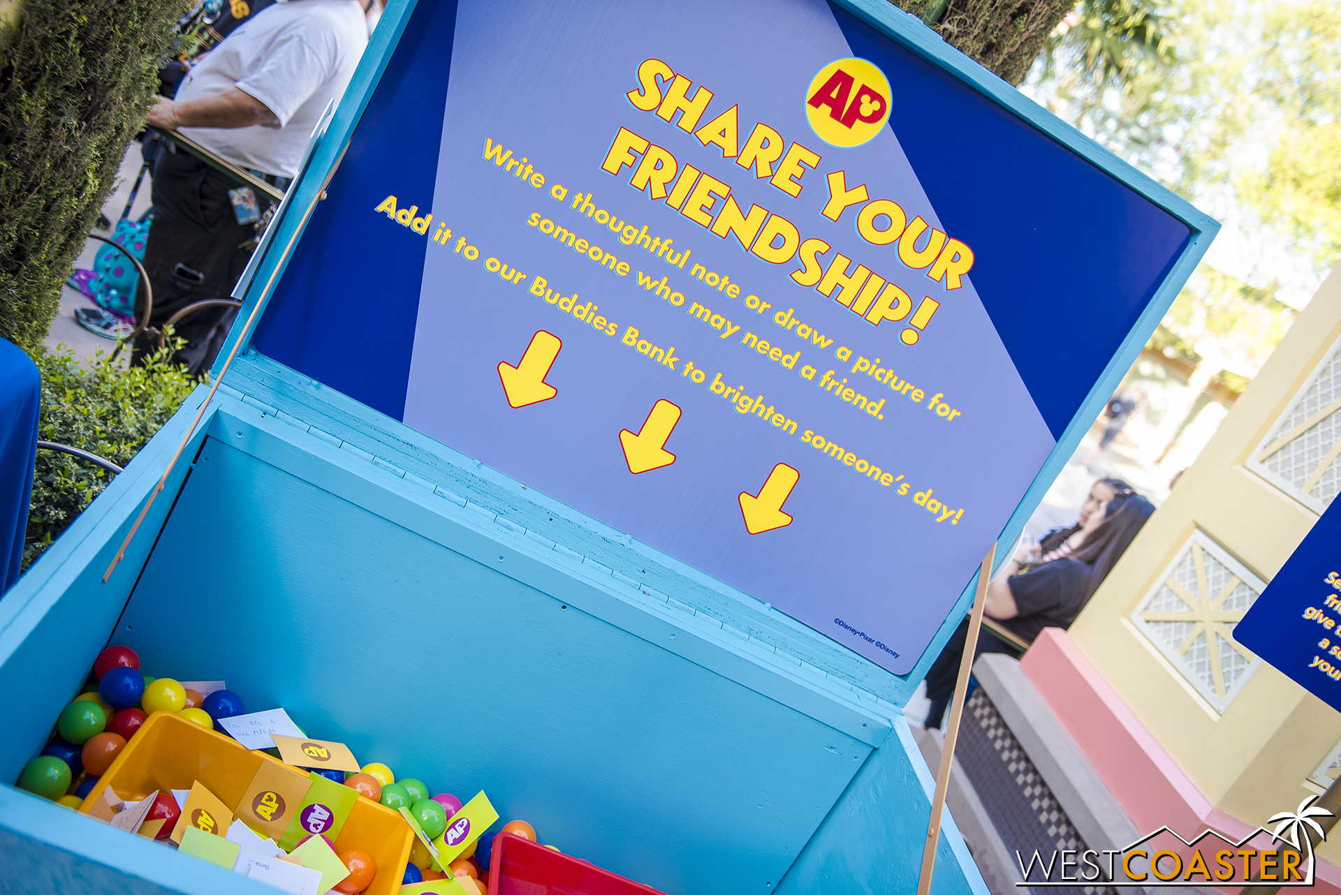 A trunk to write wish messages.