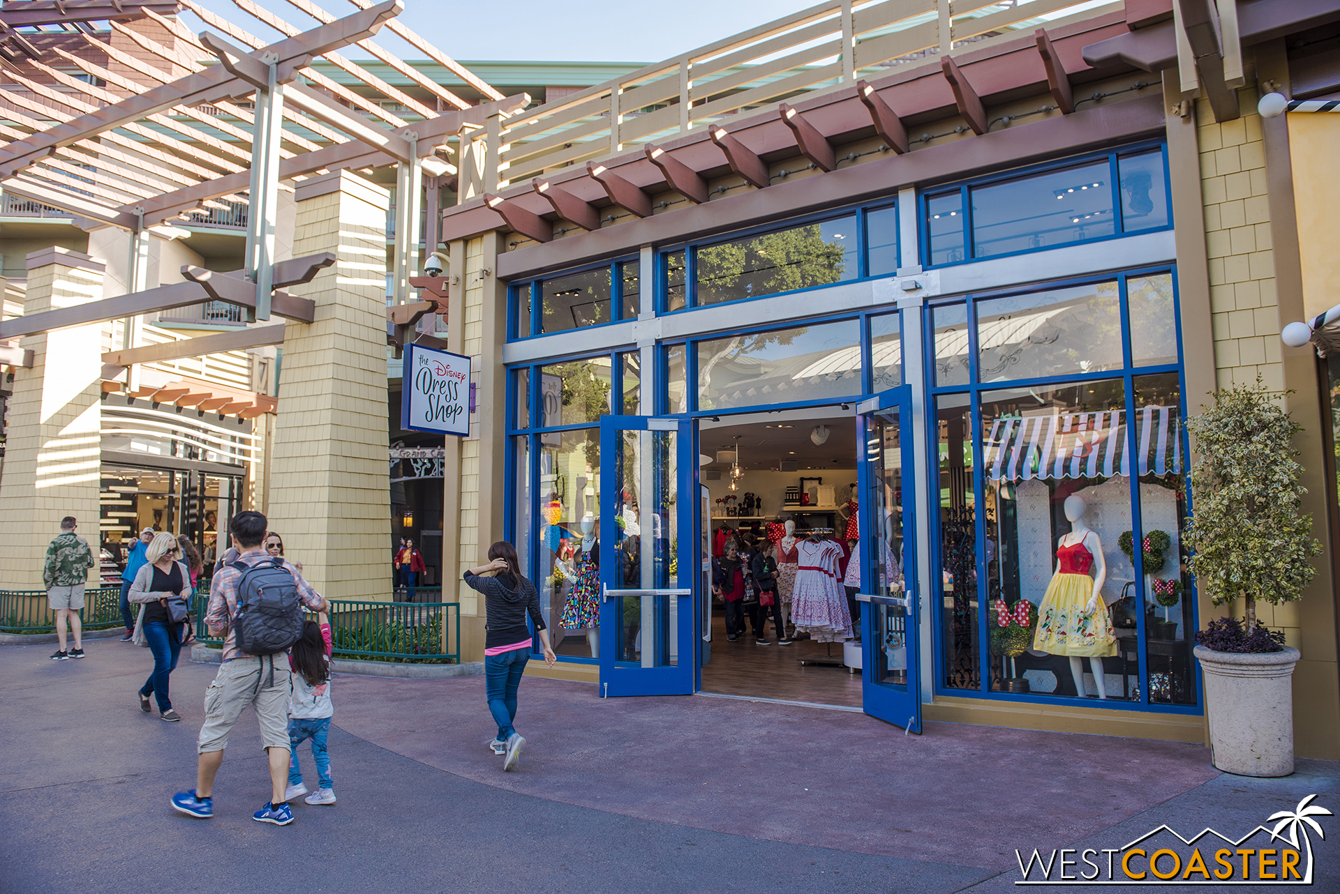 The Disney Dress Shop has finished its move to the old Anna and Elsa boutique, at the corner of the pathway into the Grand Californian Hotel.